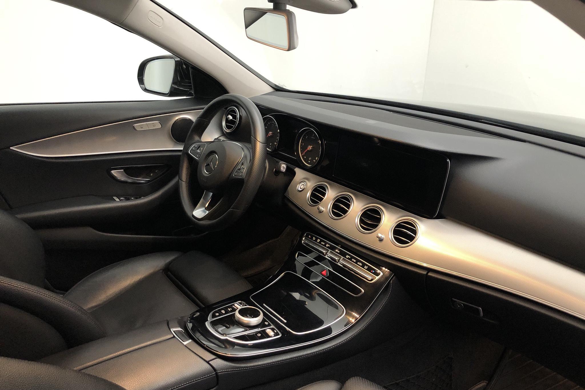 MB E 220 d Sedan W213 (194hk) - 11 993 mil - Automat - svart - 2018