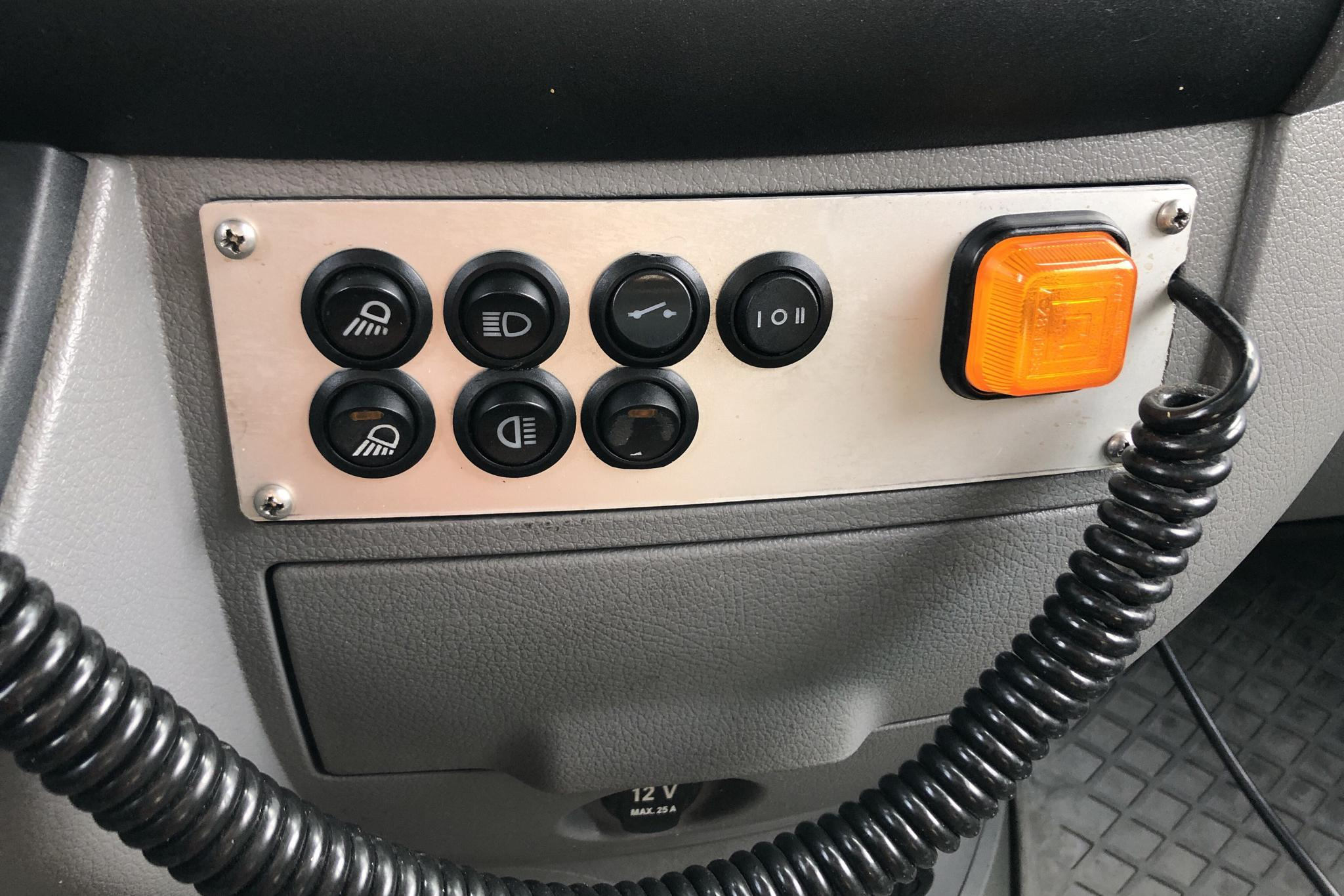 Mercedes Sprinter 319 CDI 4x4 (190hk) - 27 405 mil - Automat - vit - 2010