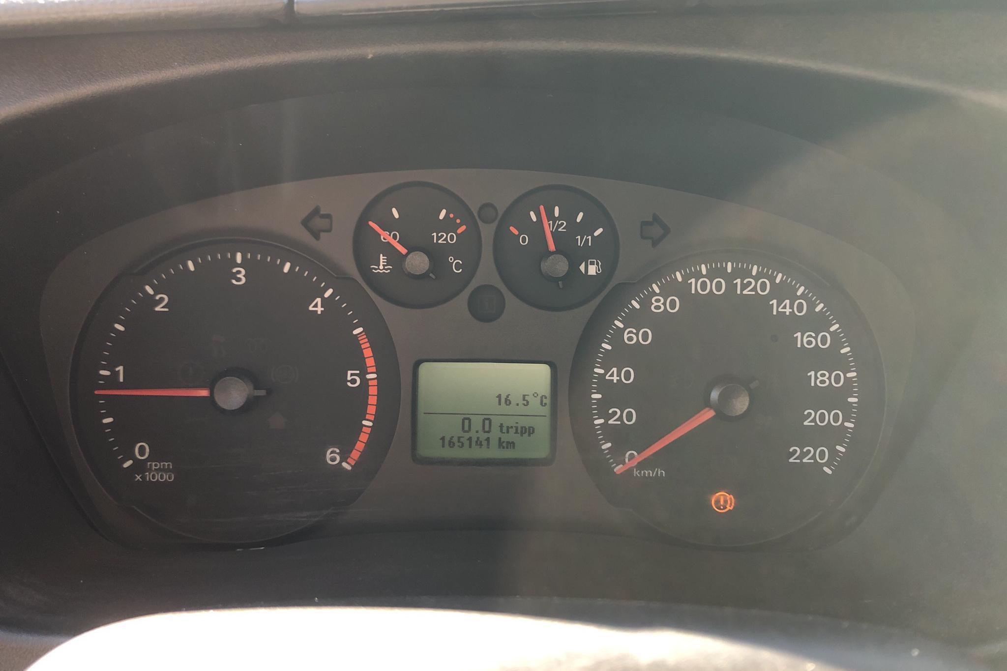 Ford Transit 350 2.4 TDCi Pickup (140hk) - 16 514 mil - Manuell - vit - 2008