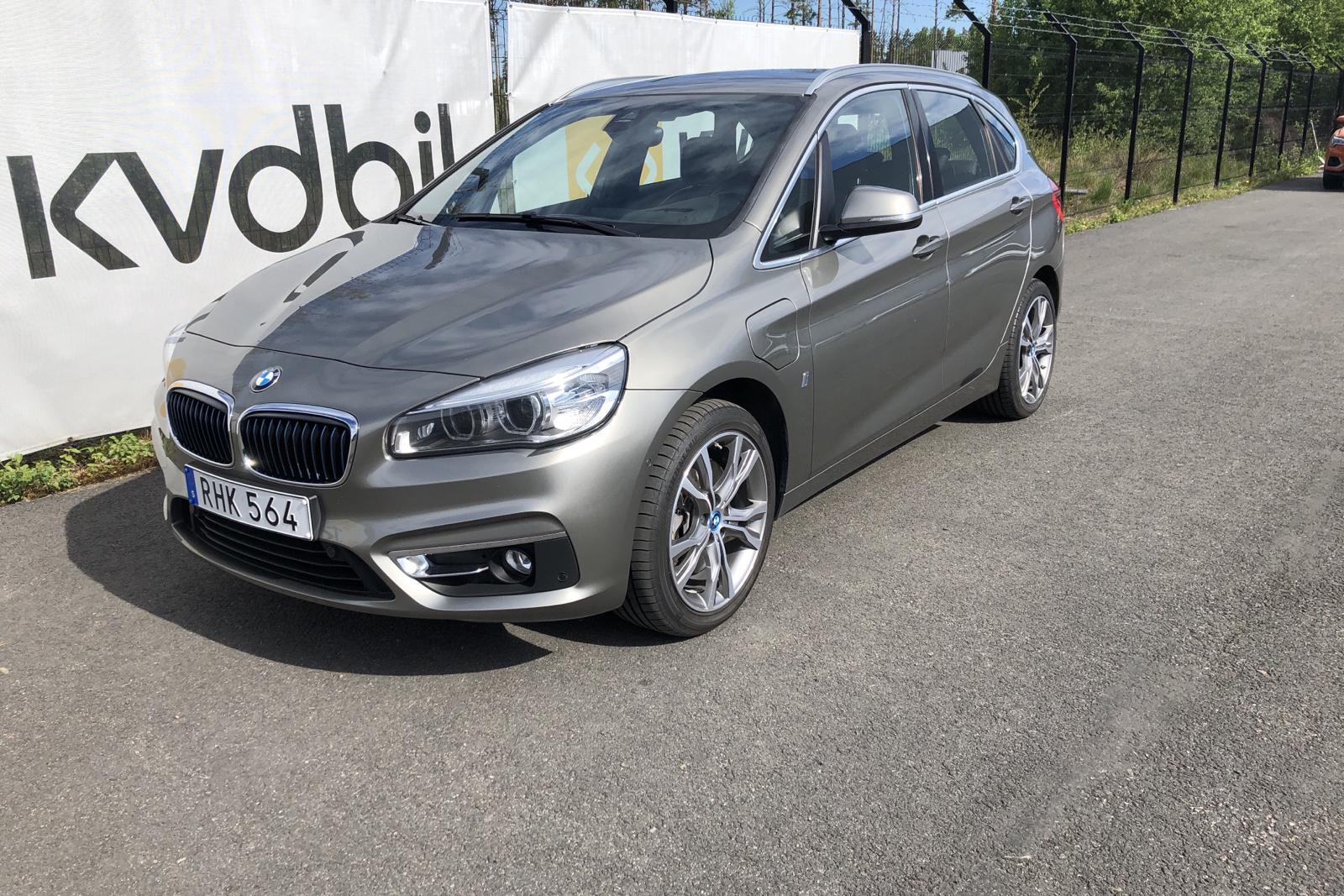 BMW 225xe Active Tourer, F45 (224hk) - 5 600 mil - Automat - silver - 2017