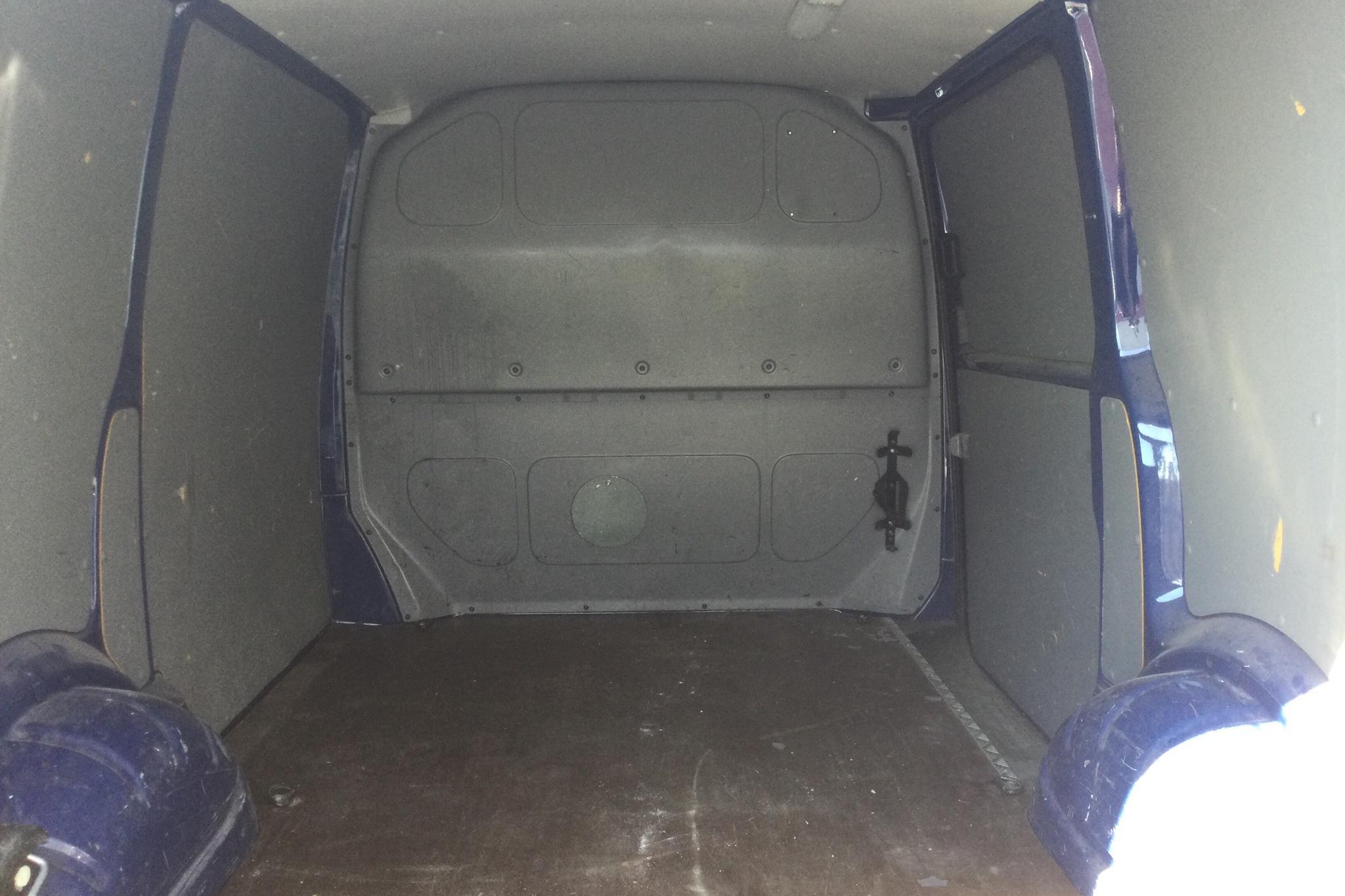 VW Transporter T5 2.5 TDI (130hk) - 12 388 mil - Manuell - Dark Blue - 2004