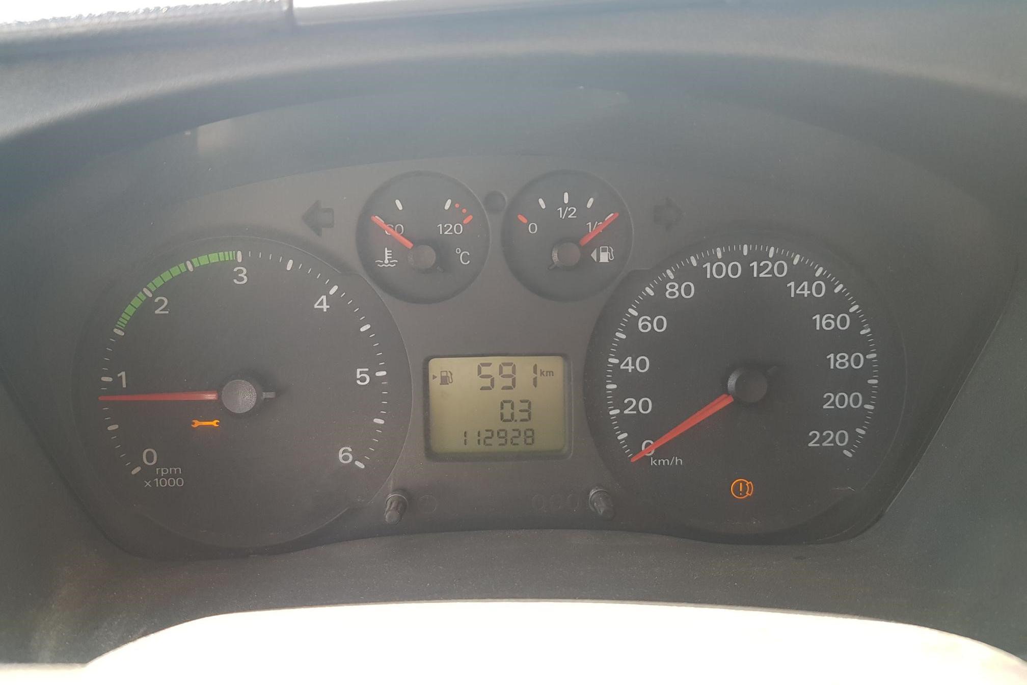 Ford Transit 350 2.4 TDCi Pickup (140hk) - 11 292 mil - Manuell - vit - 2007