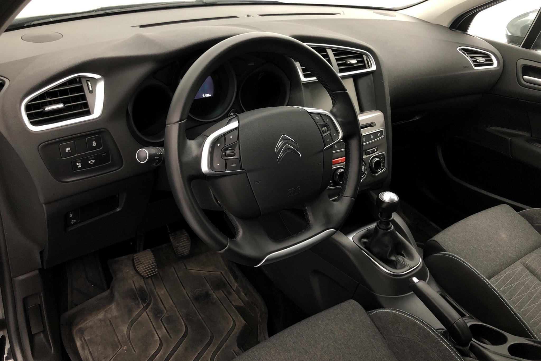 Citroen C4 Puretech (130hk) - 64 430 km - Manual - black - 2016