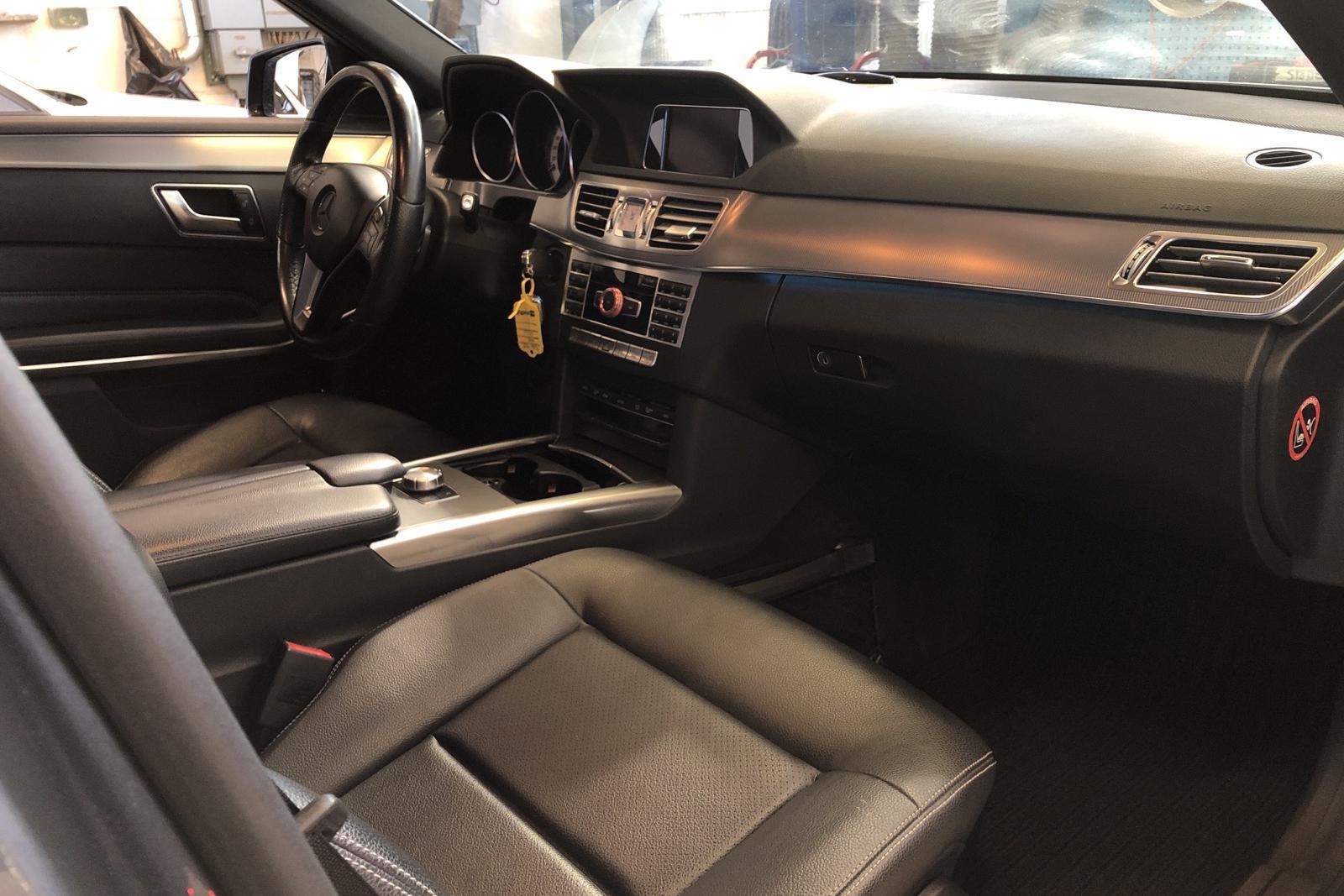 Mercedes E 220 BlueTEC W212 (170hk) - 106 570 km - Automatic - Dark Grey - 2014