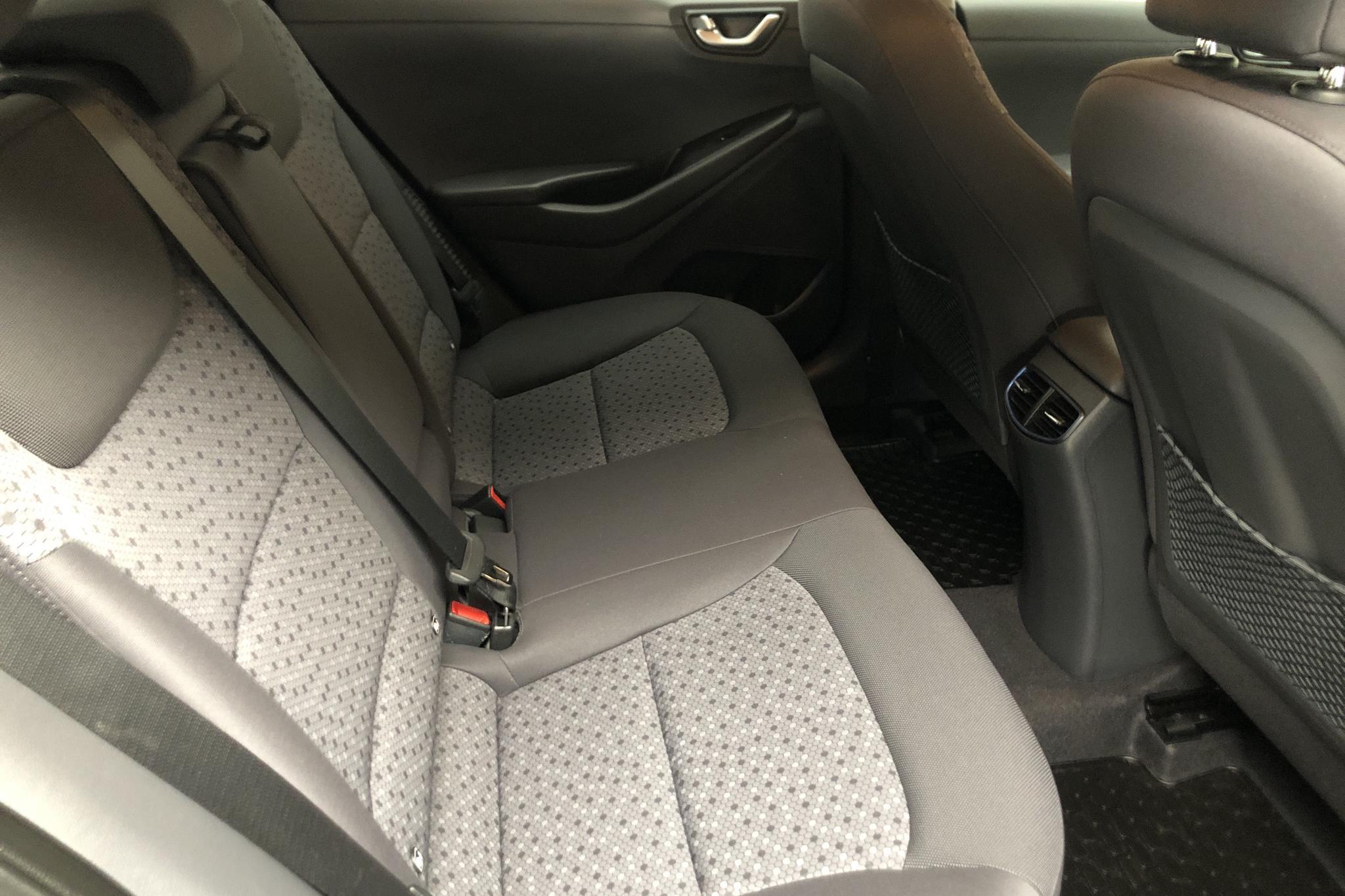 Hyundai IONIQ Plug-in (141hk) - 18 530 km - Automatic - black - 2019
