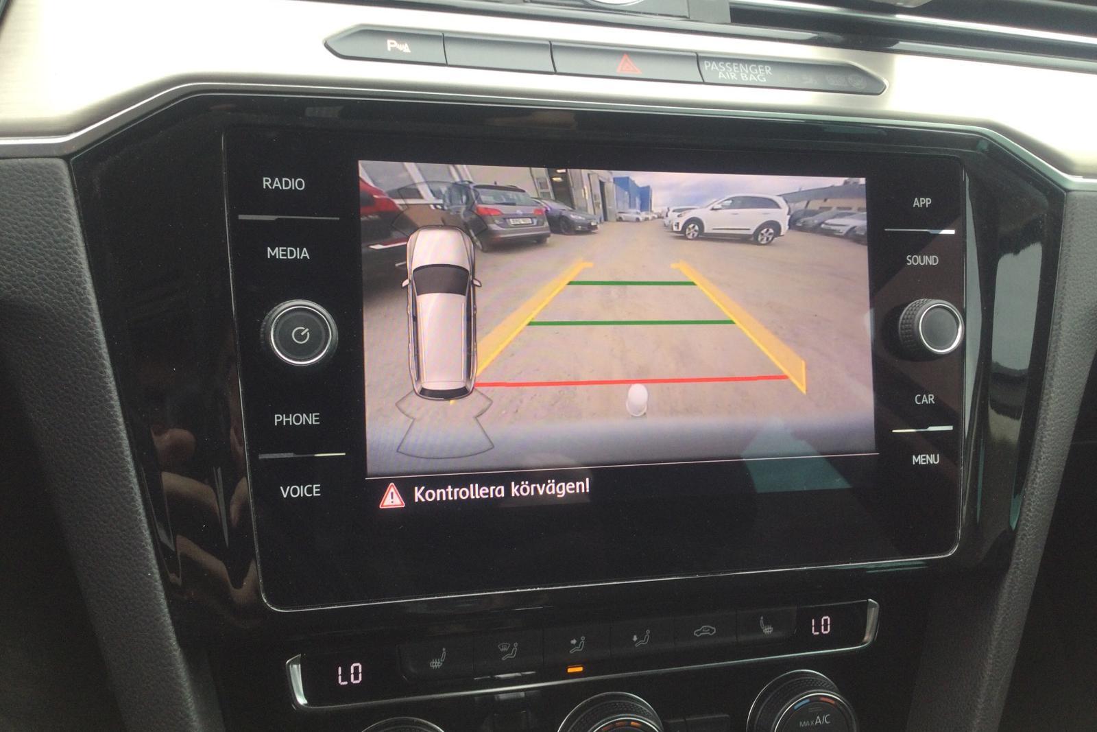 VW Passat 1.4 Plug-in-Hybrid Sportscombi (218hk) - 10 261 mil - Automat - vit - 2018
