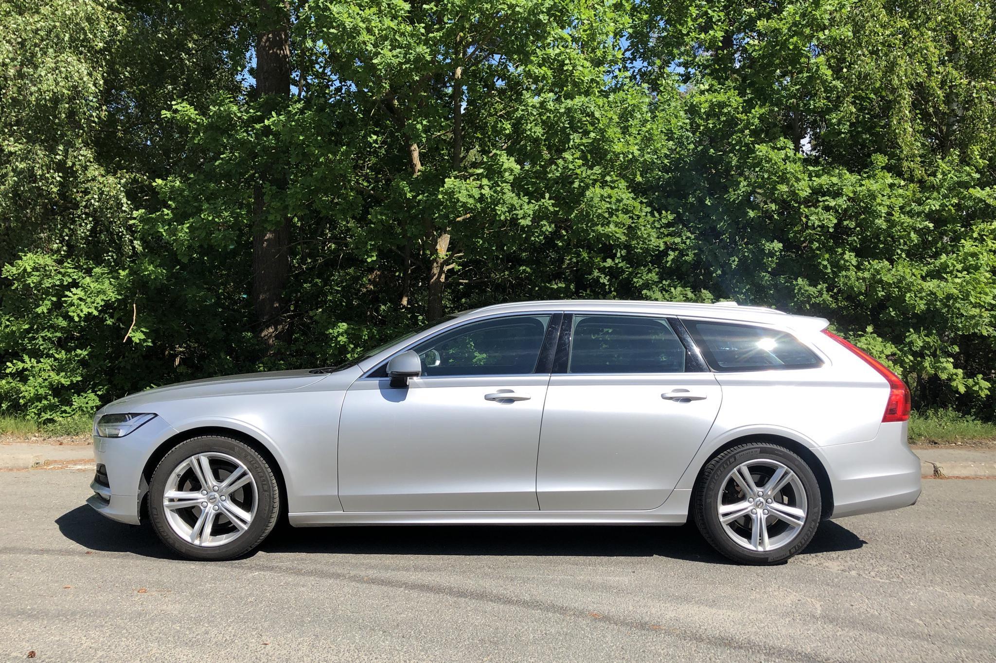 Volvo V90 D4 (190hk) - 11 957 mil - Automat - silver - 2019