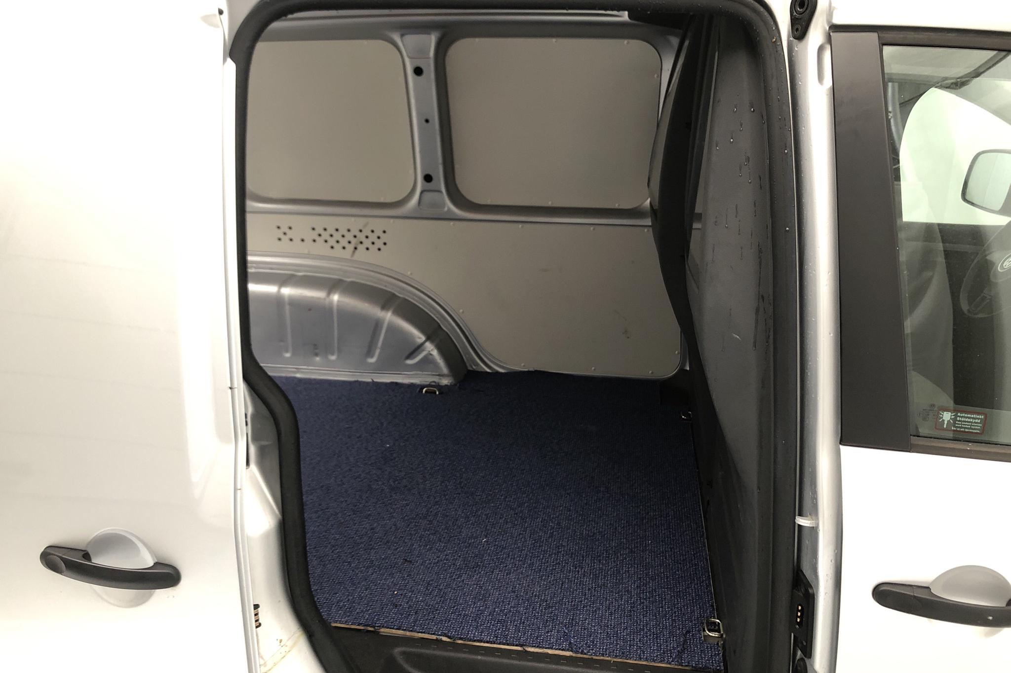 VW Caddy 1.6 TDI Skåp (75hk) - 3 796 mil - Manuell - silver - 2013