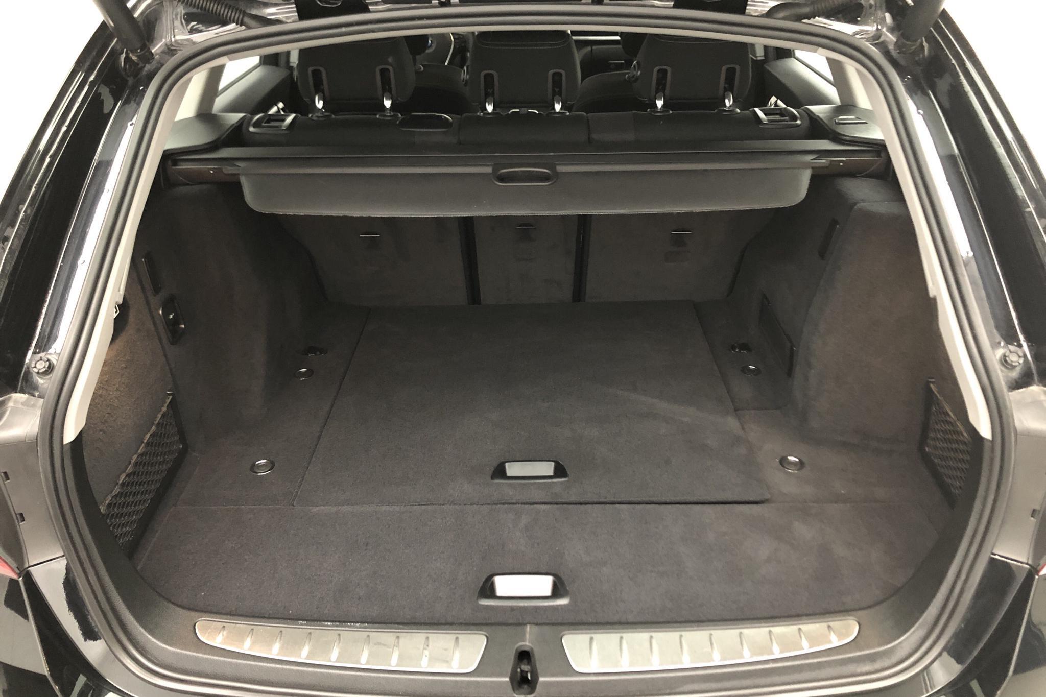 BMW 318d Touring, F31 (150hk) - 5 743 mil - Automat - svart - 2018