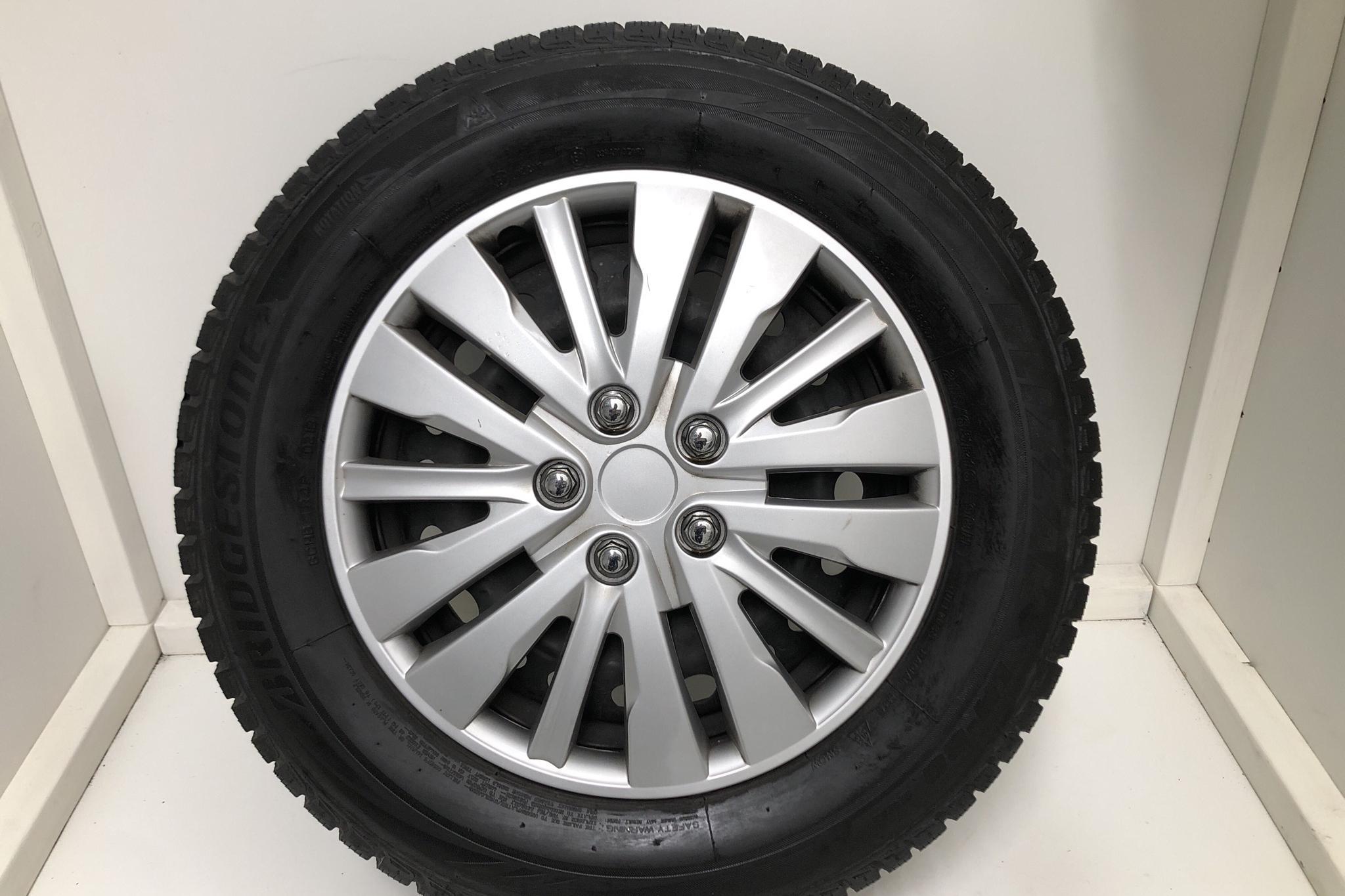 Nissan Qashqai 1.2 DIG-T (115hk) - 56 750 km - Manual - gray - 2018
