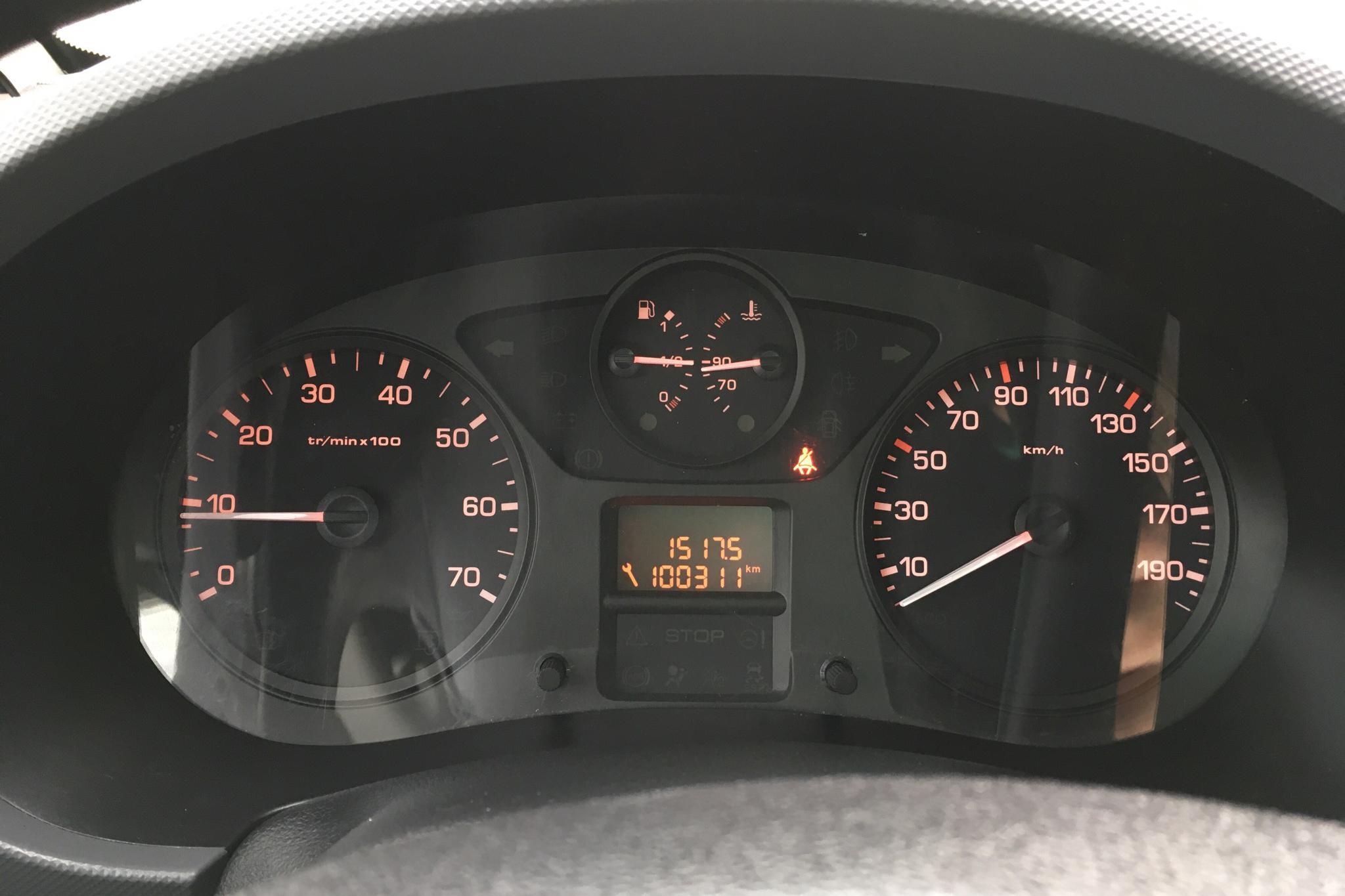 Peugeot Partner 1.6 e-HDI Skåp (90hk) - 100 310 km - Manual - white - 2013