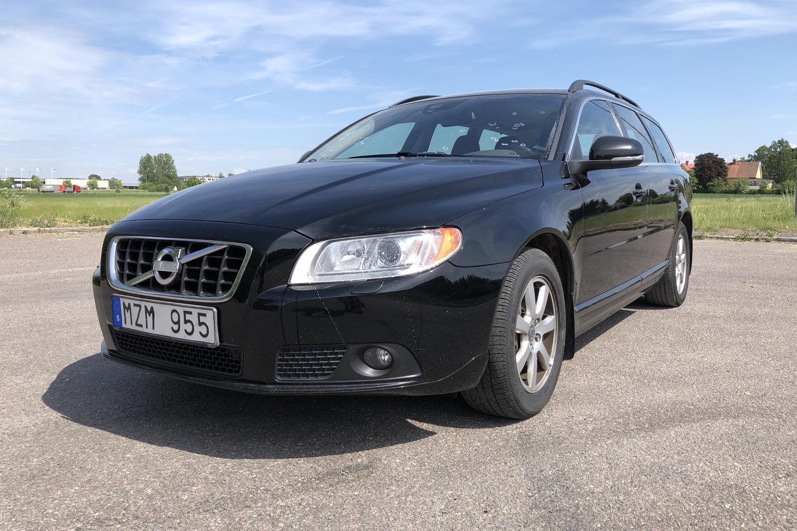Volvo V70 II D5 (215hk) - 164 950 km - Manual - black - 2013