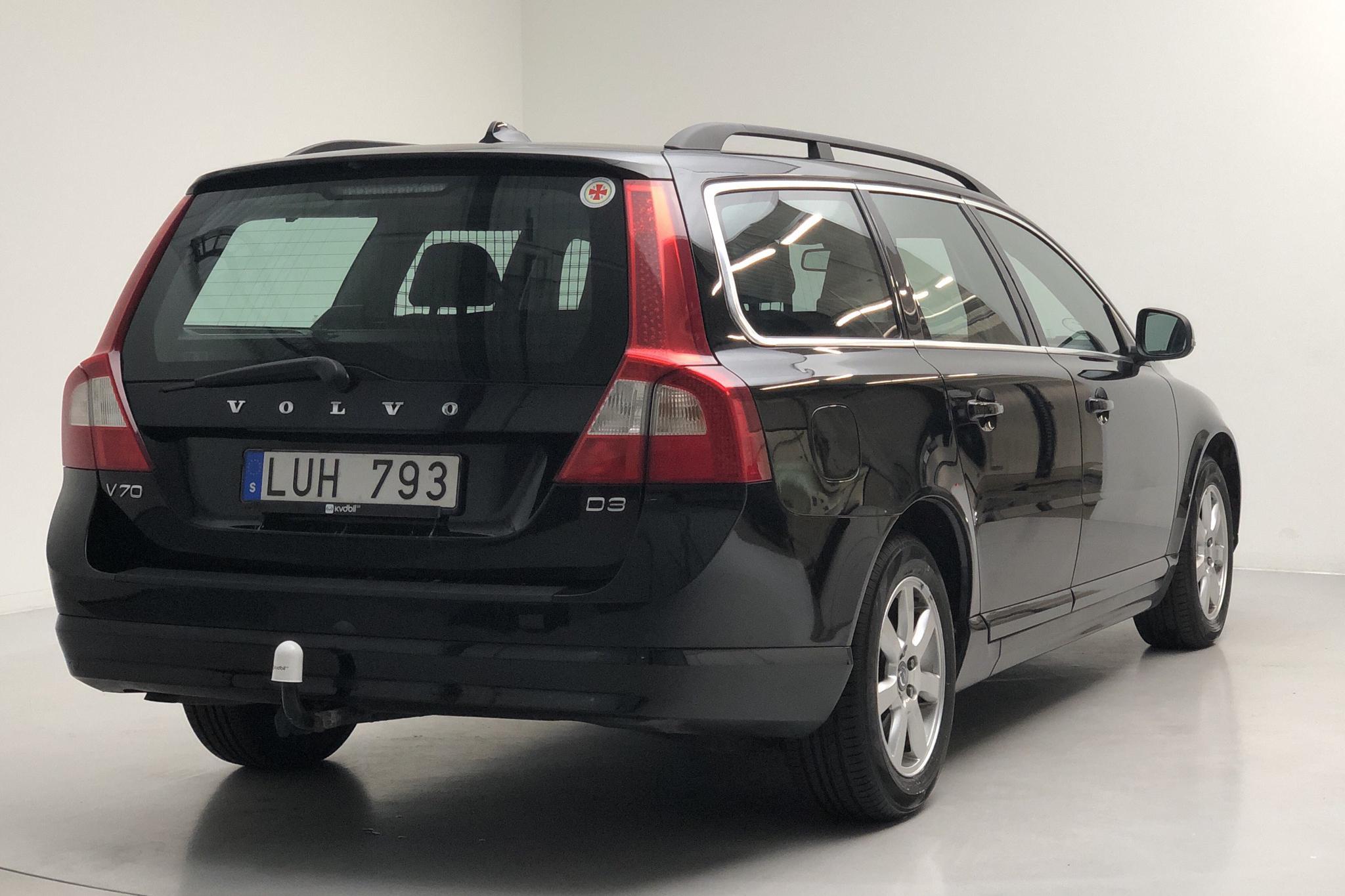 Volvo V70 II D3 (163hk) - 298 360 km - Manual - black - 2012