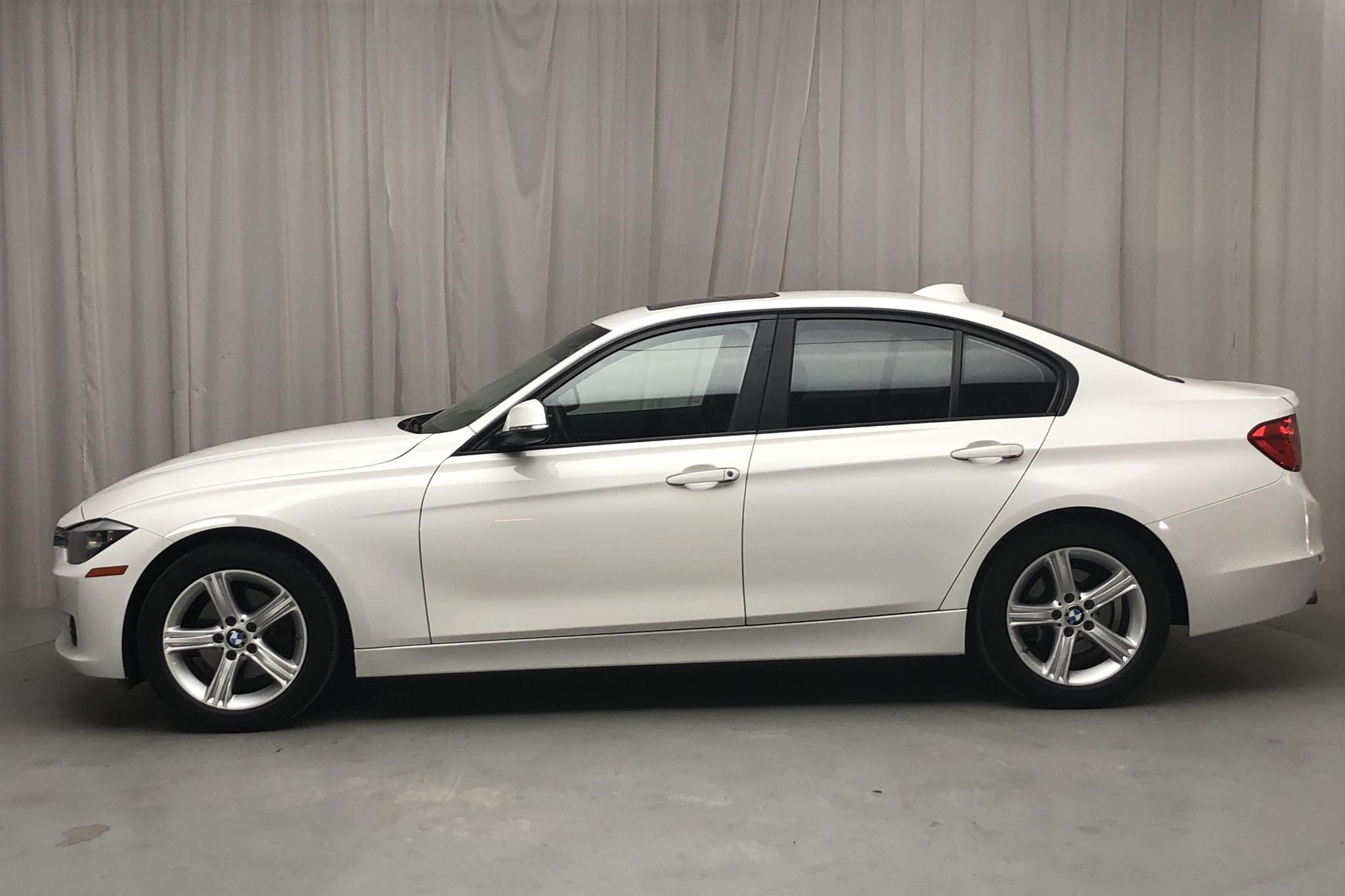 BMW 328i Sedan, F30 (245hk) - 11 260 mil - Automat - vit - 2014