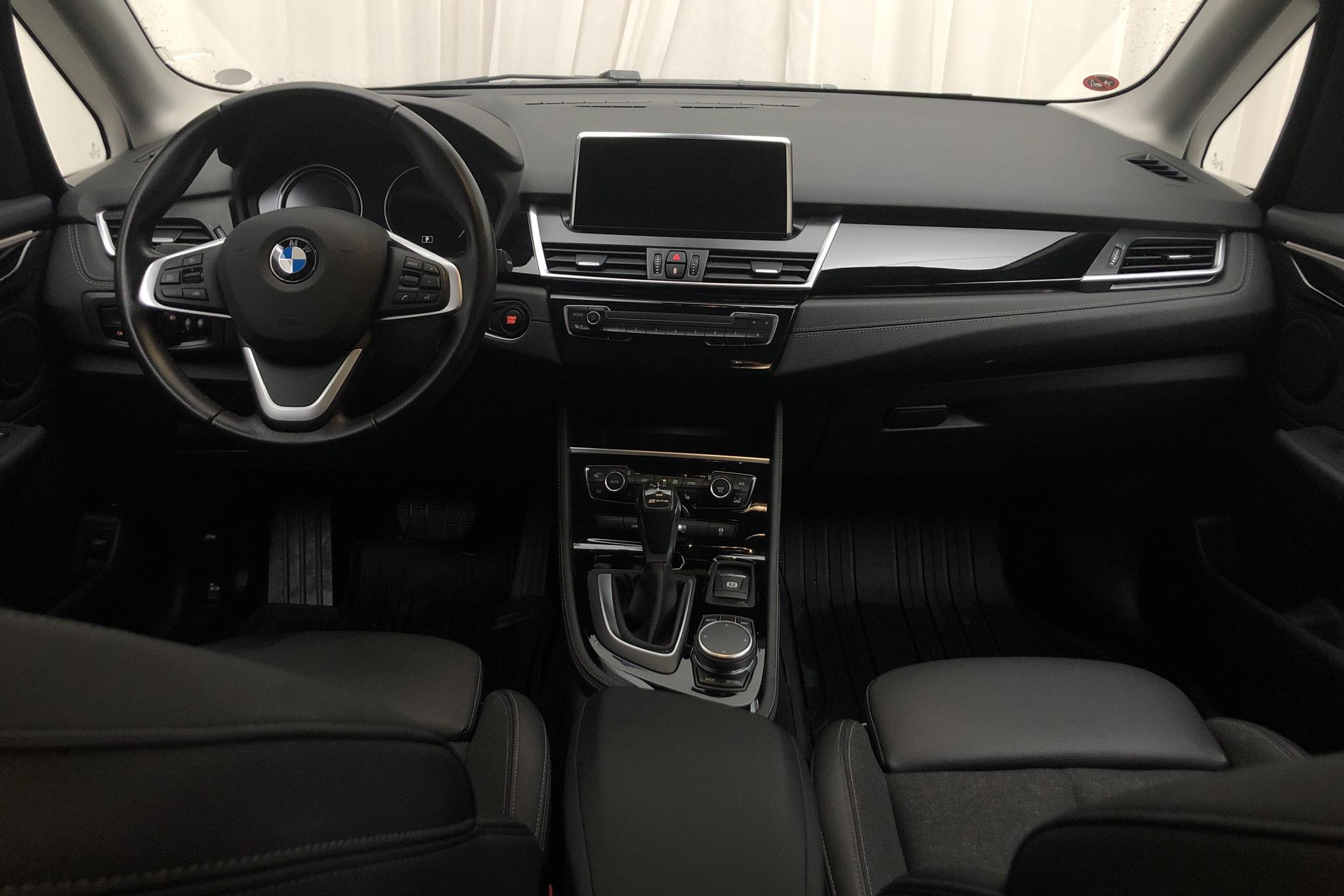 BMW 225xe Active Tourer LCI, F45 (224hk) - 49 290 km - Automatic - black - 2019