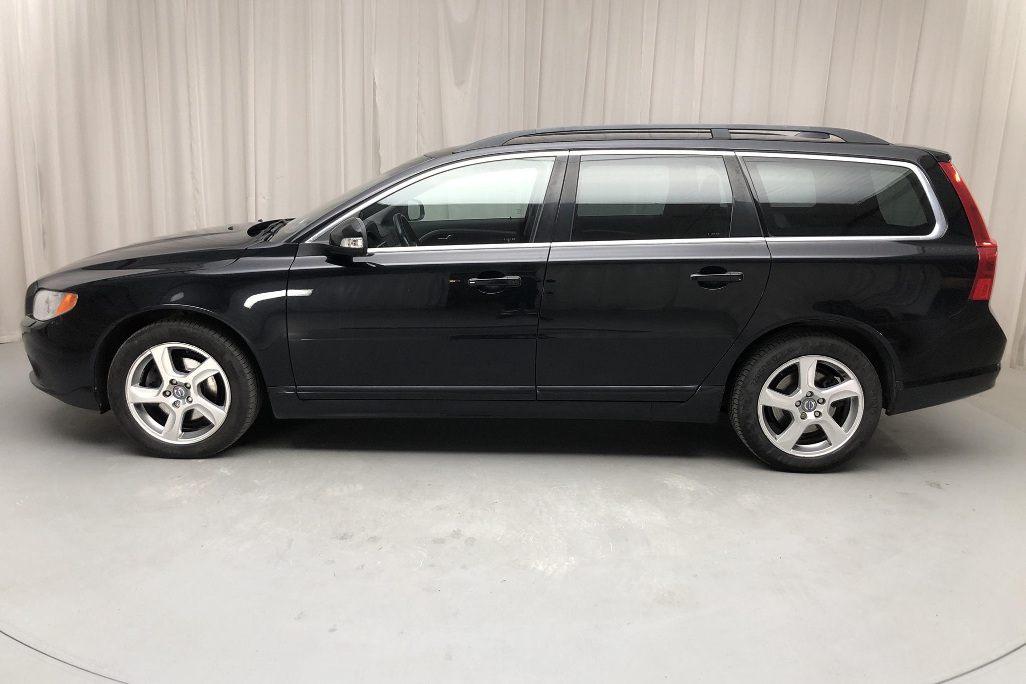 Volvo V70 II D3 (163hk) - 16 016 mil - Automat - svart - 2011