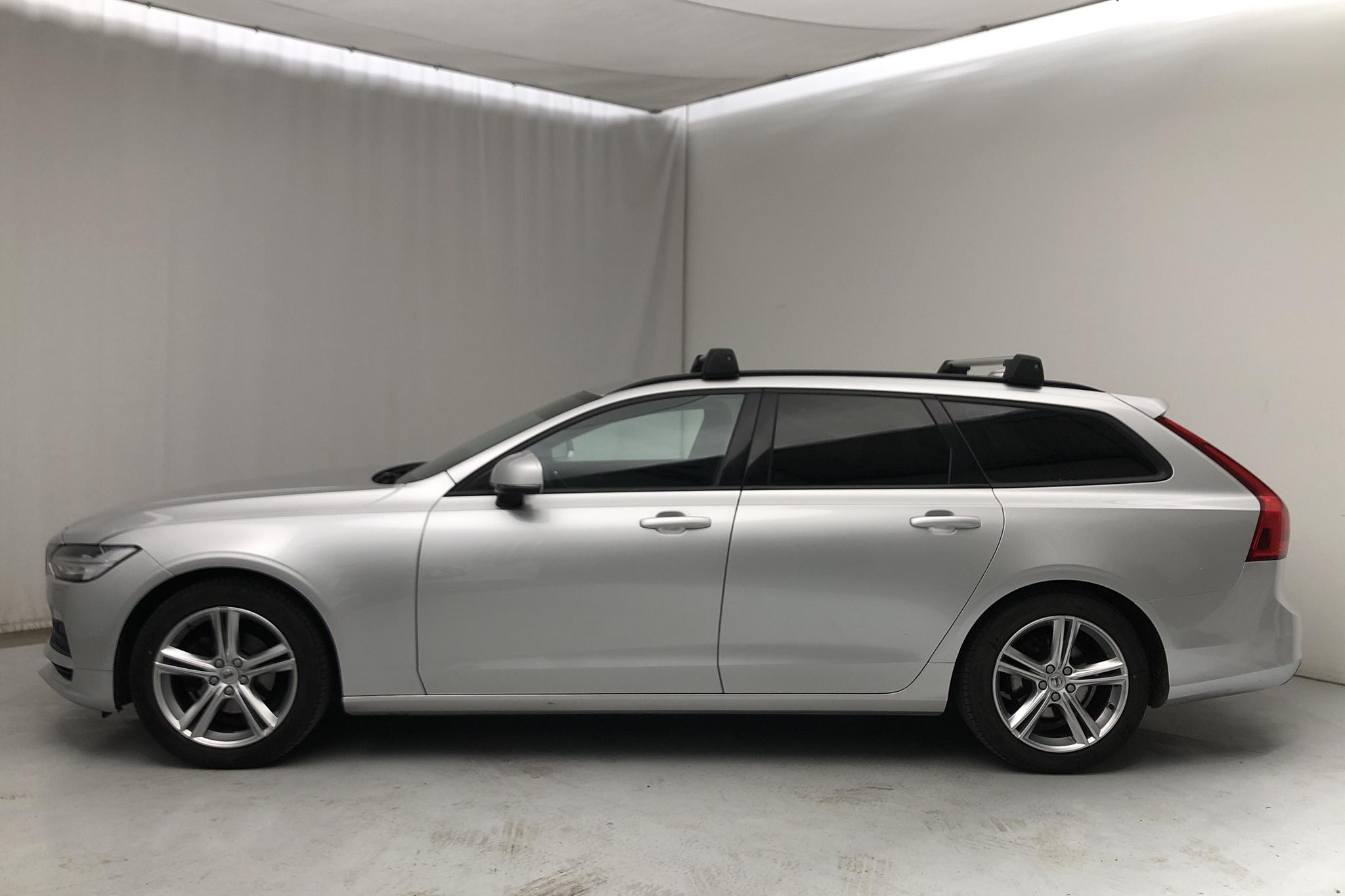 Volvo V90 D3 (150hk) - 6 648 mil - Manuell - silver - 2018