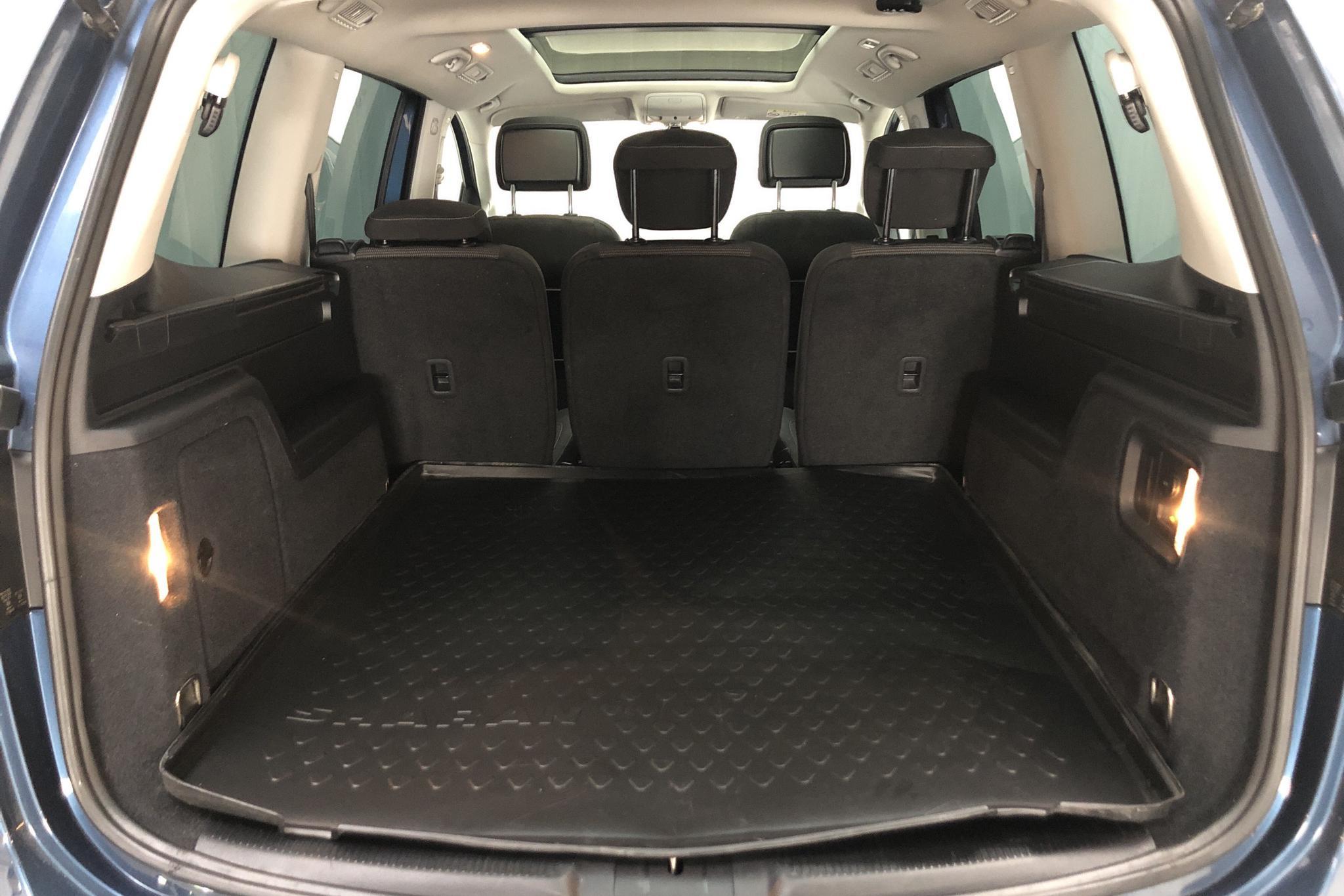 VW Sharan 2.0 TDI (150hk) - 12 925 mil - Automat - blå - 2016