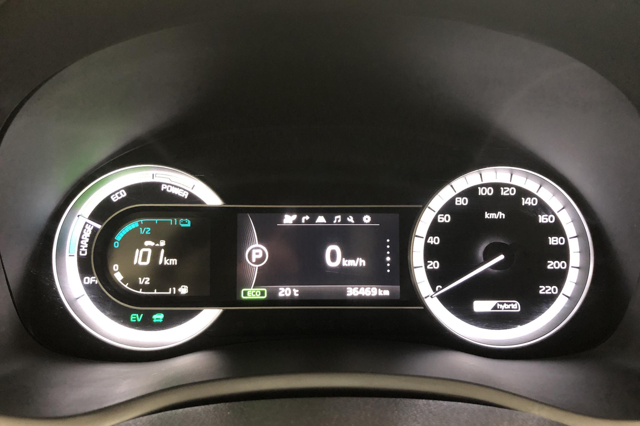 KIA Niro Hybrid 1.6 (141hk) - 3 647 mil - Automat - vit - 2019