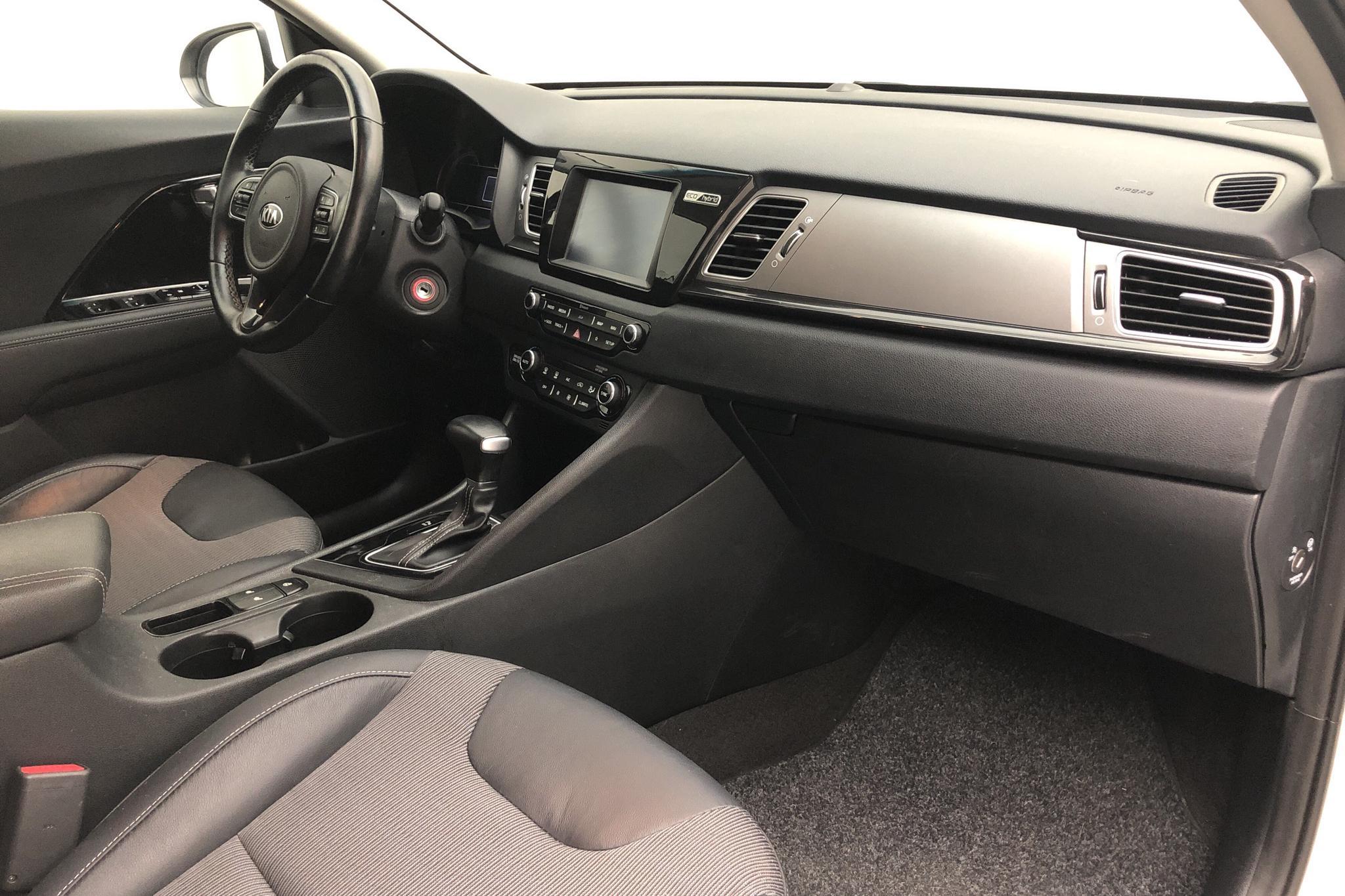 KIA Niro Hybrid 1.6 (141hk) - 41 390 km - Automatic - white - 2019