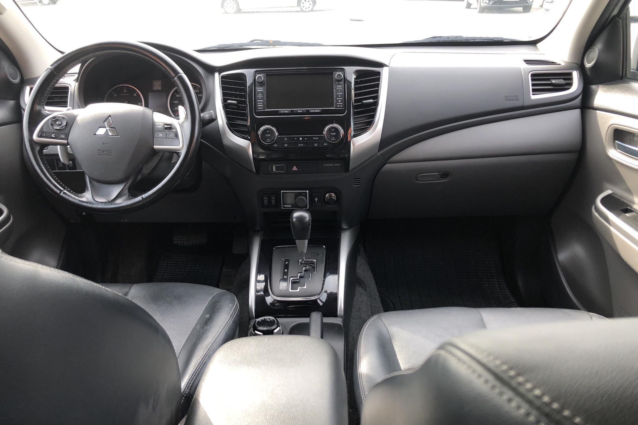 Mitsubishi L200 2.4 DI-D (181hk) - 90 620 km - Automatic - white - 2016