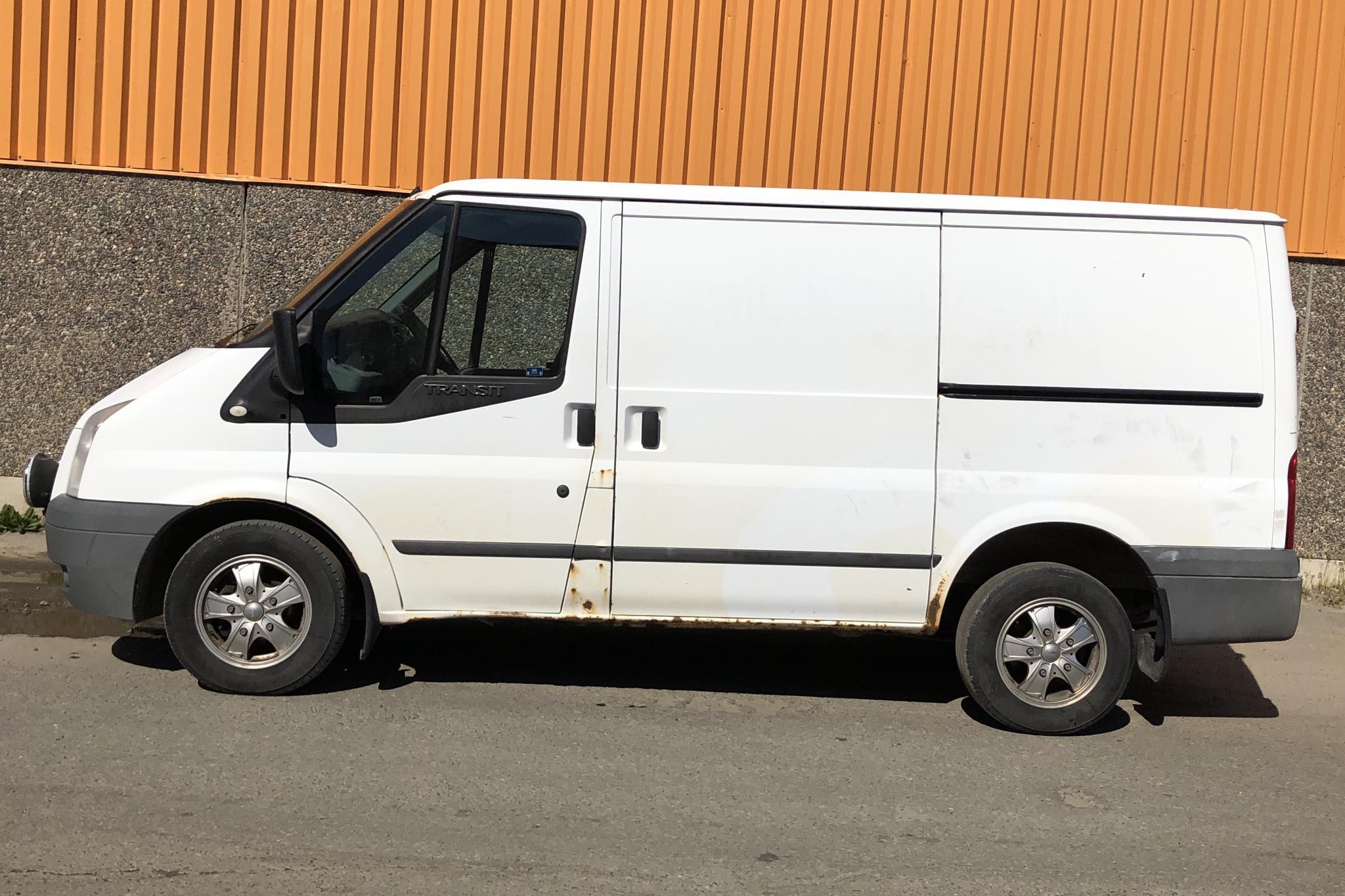 Ford Transit 300 2.2 TDCi Skåp (115hk) - 20 628 mil - Manuell - vit - 2011