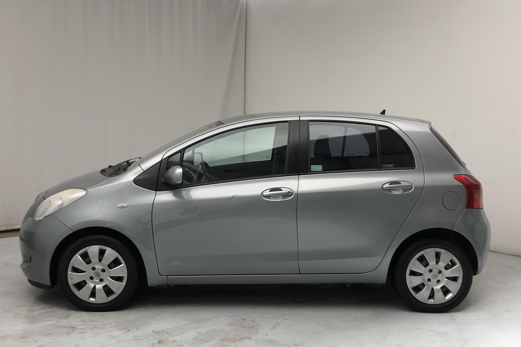 Toyota Yaris 1.3 5dr (87hk) - 125 060 km - Manual - gray - 2006