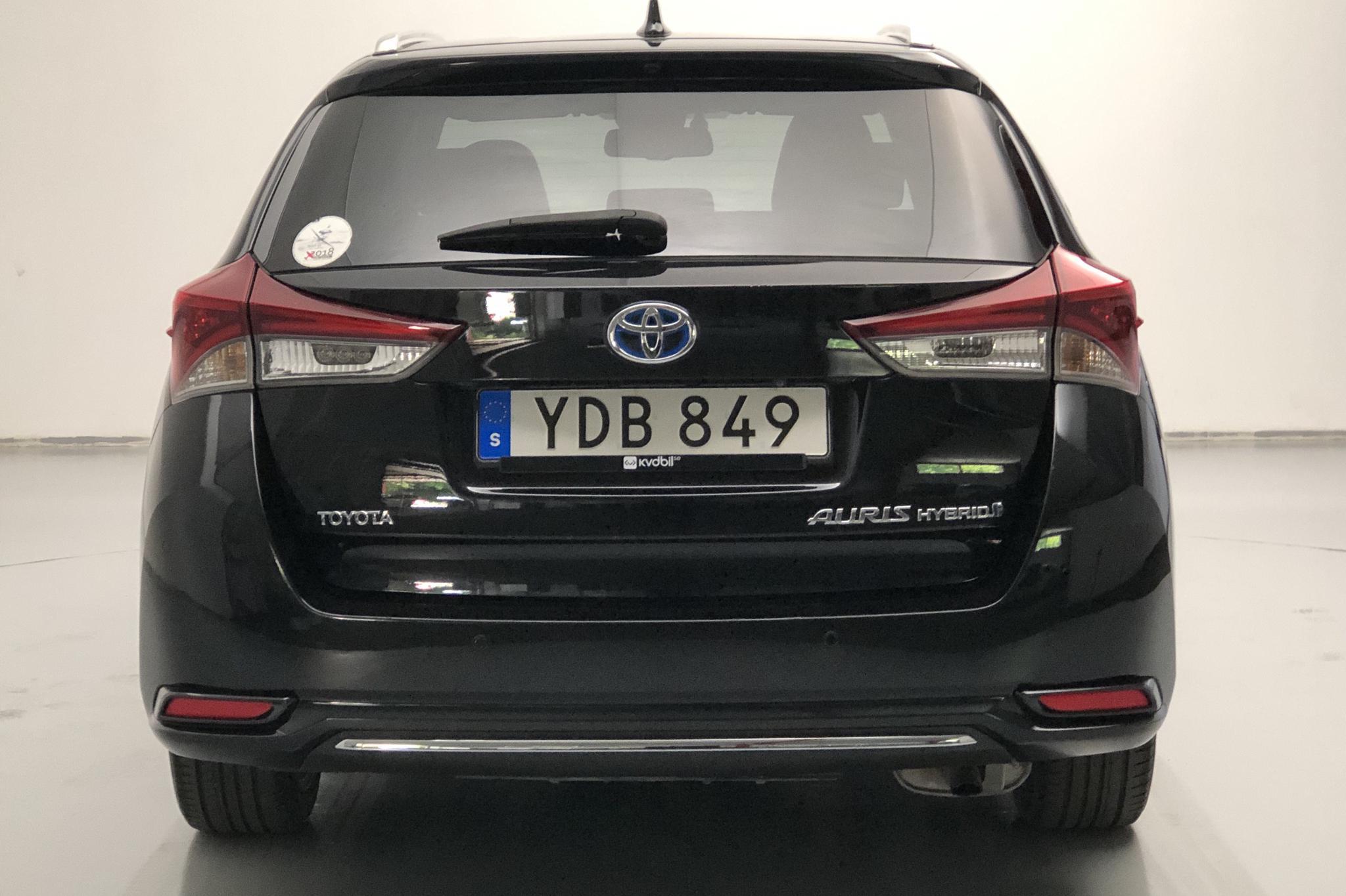 Toyota Auris 1.8 HSD Touring Sports (99hk) - 119 350 km - Automatic - black - 2016