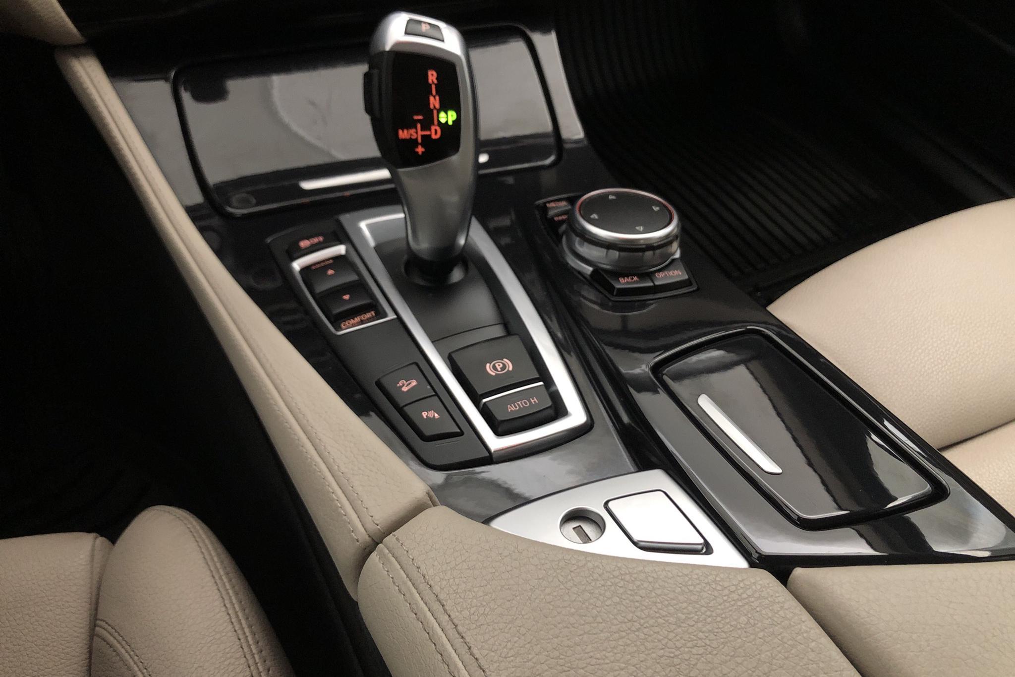 BMW 520d xDrive Touring, F11 (190hk) - 120 360 km - Automatic - gray - 2016