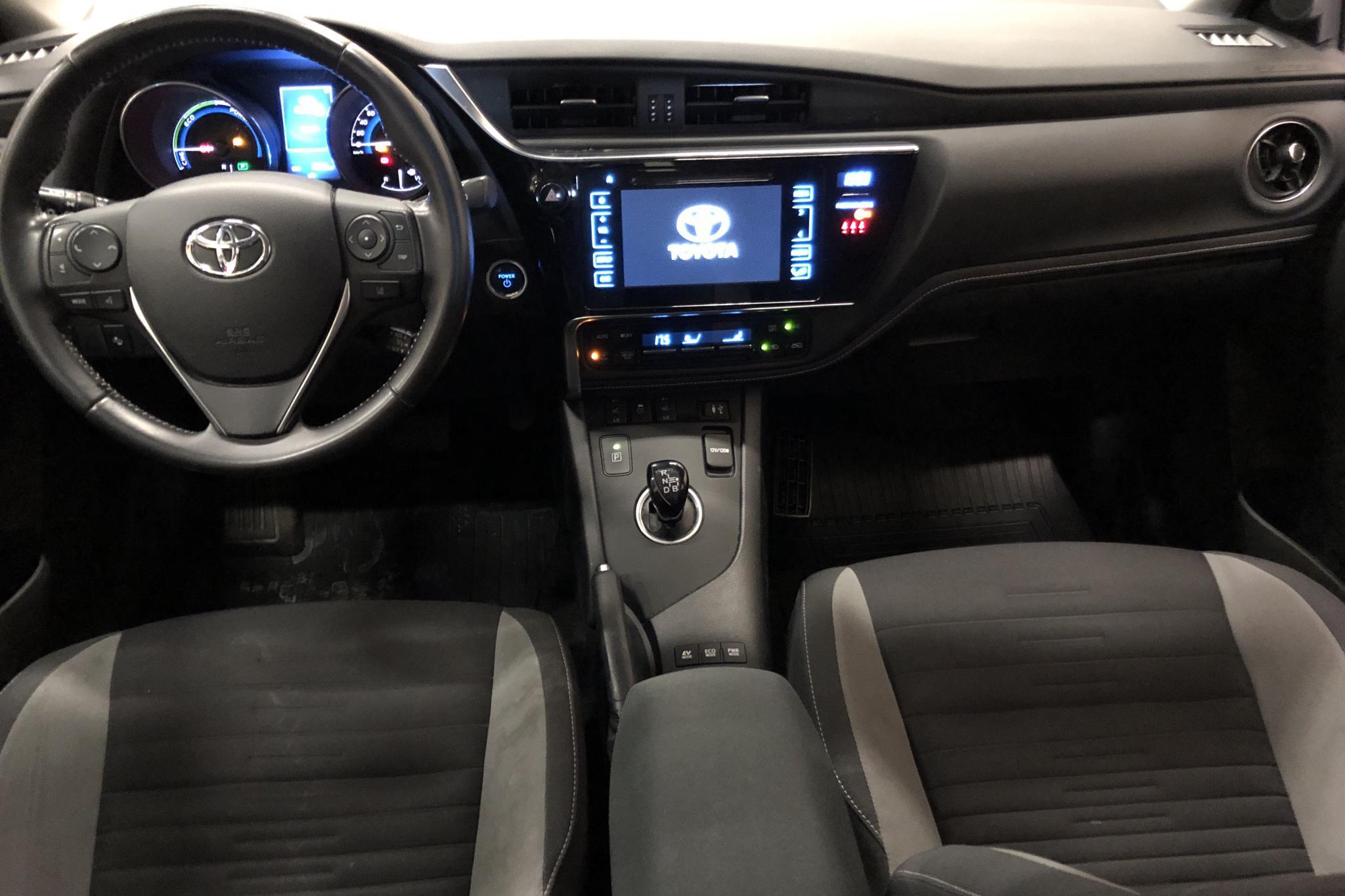 Toyota Auris 1.8 HSD 5dr (99hk) - 7 967 mil - Automat - vit - 2016