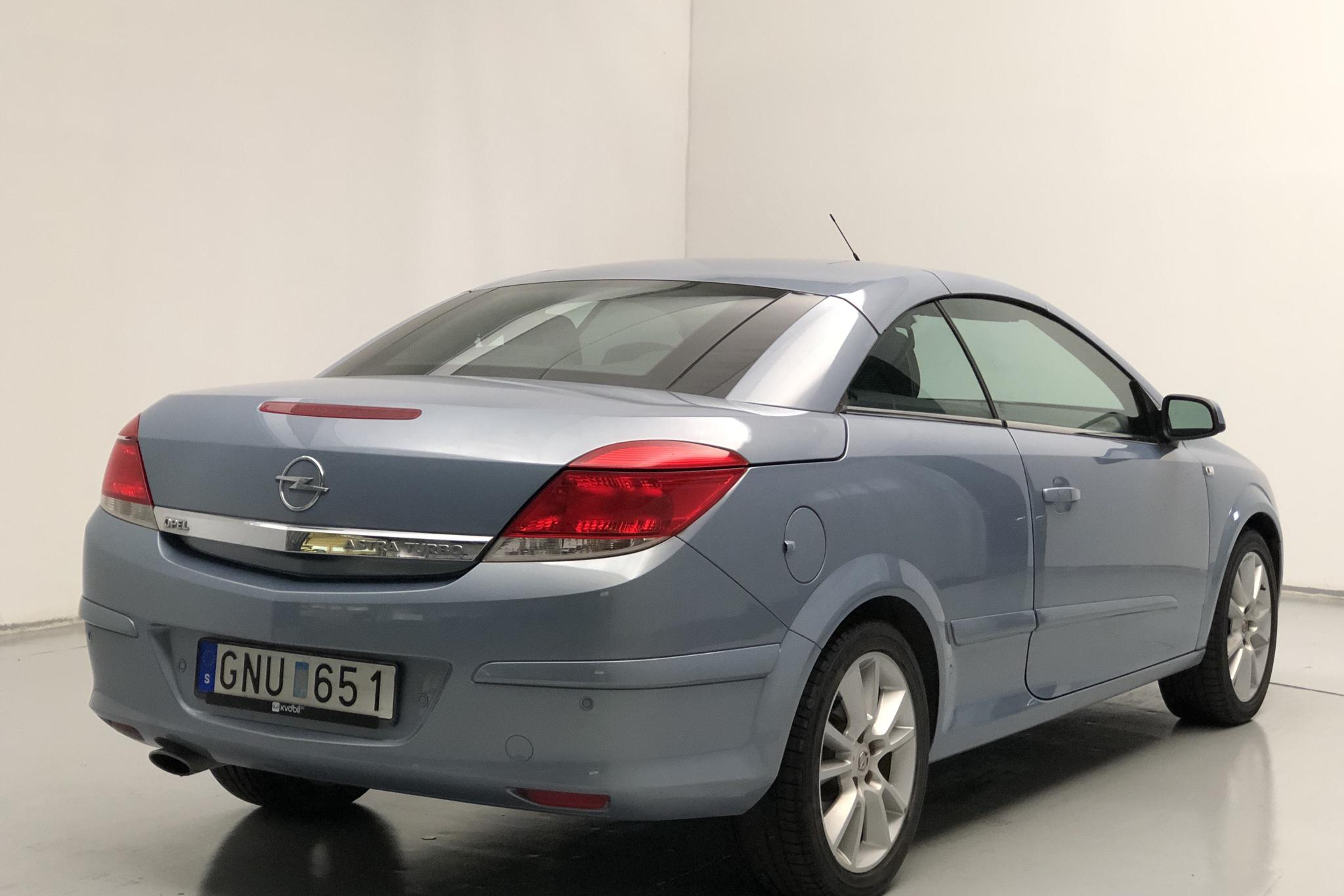 Opel Astra 1.6 Turbo TwinTop (180hk) - 1 726 mil - Manuell - blå - 2008