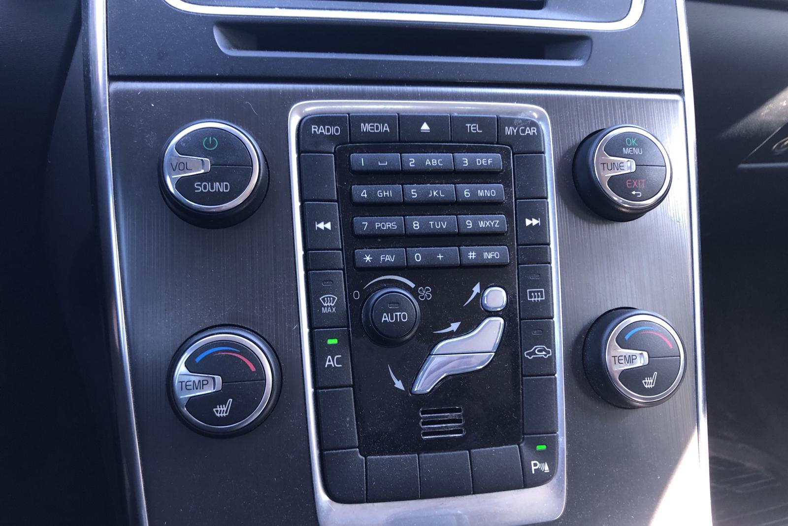 Volvo V60 D3 (163hk) - 16 689 mil - Automat - svart - 2011