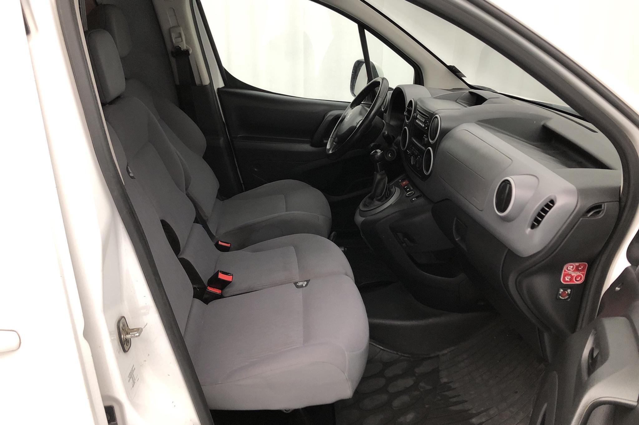 Peugeot Partner 1.6 e-HDI Skåp (90hk) - 170 660 km - Manual - white - 2015