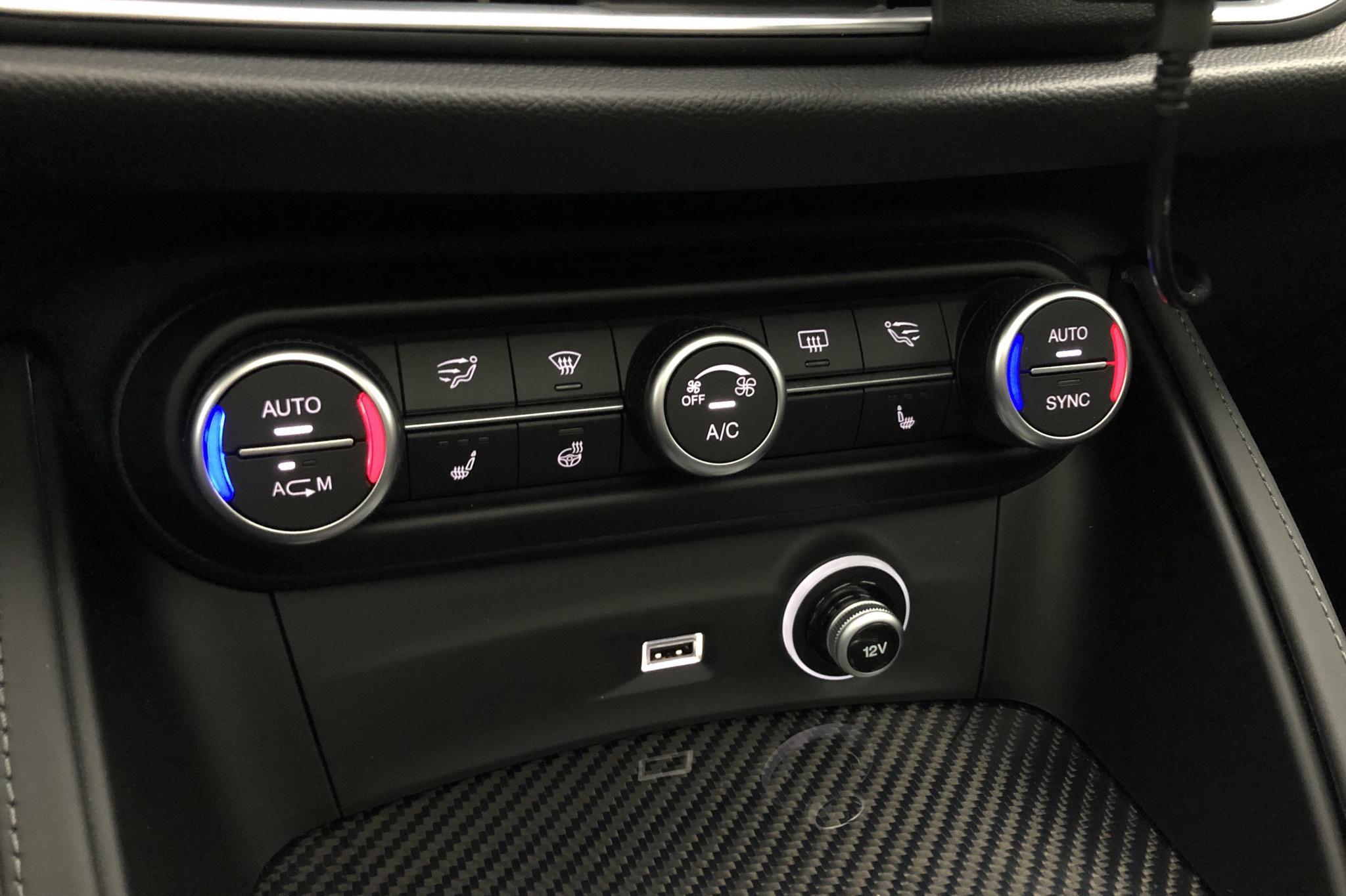 Alfa Romeo Stelvio 2.9 AWD (510hk) - 25 380 km - Automatic - gray - 2019