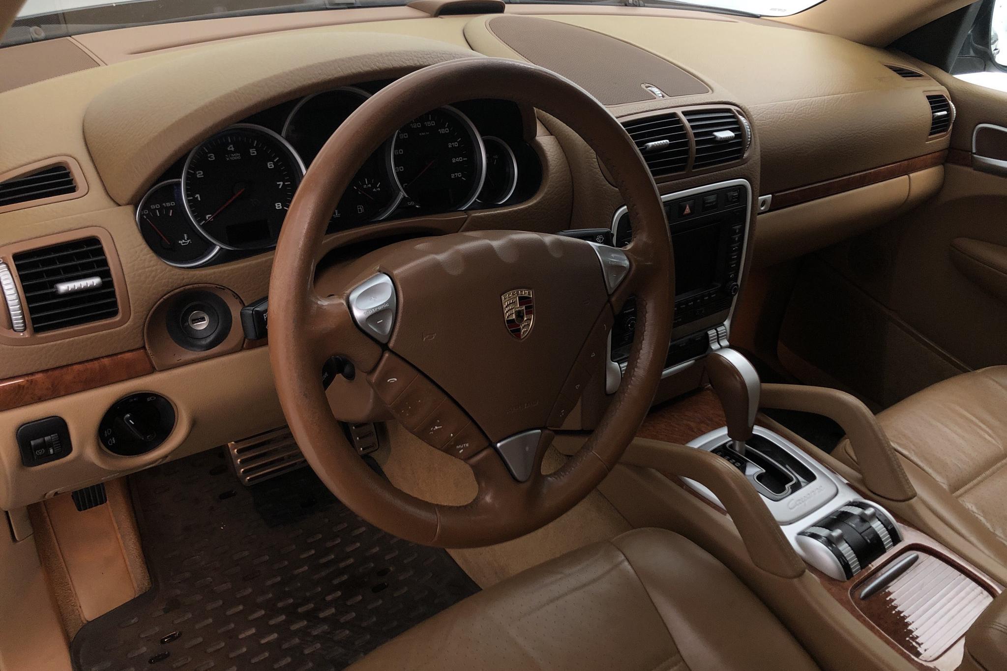 Porsche Cayenne S 4.5 (340hk) - 21 440 mil - Automat - Dark Green - 2003