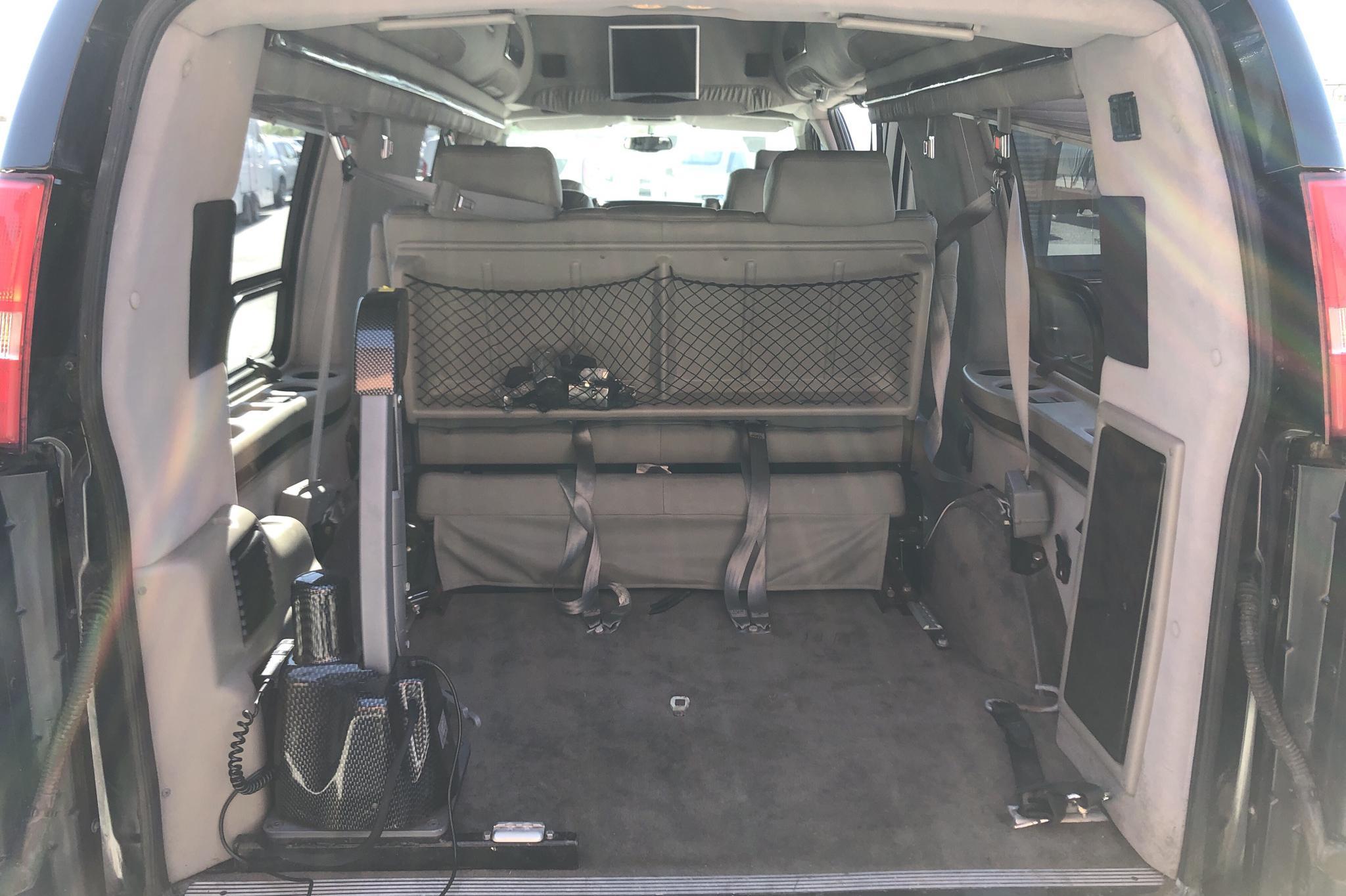 Chevrolet Express G2500 (350hk) - 4 191 mil - Automat - Dark Blue - 2006