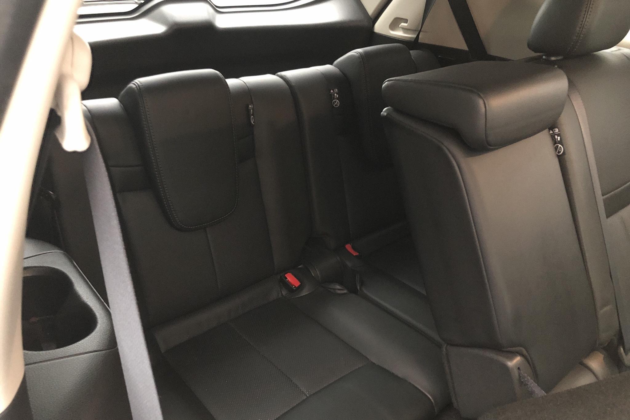 Nissan X-trail 1.6 dCi 2WD (130hk) - 4 795 mil - Automat - vit - 2017