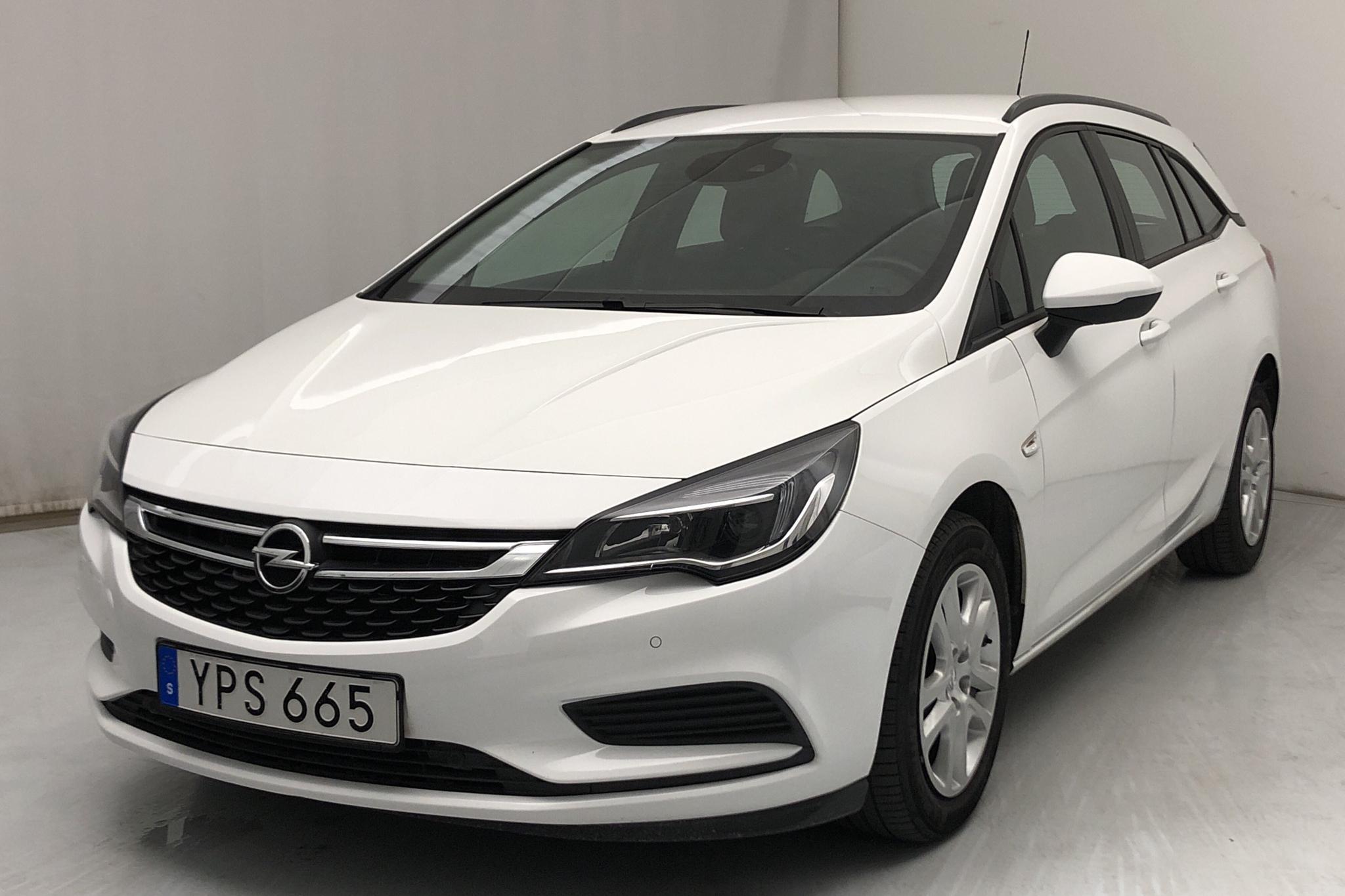 Opel Astra 1.4 Turbo ECOTEC SportsTourer (150hk) - 63 610 km - Automatic - white - 2018