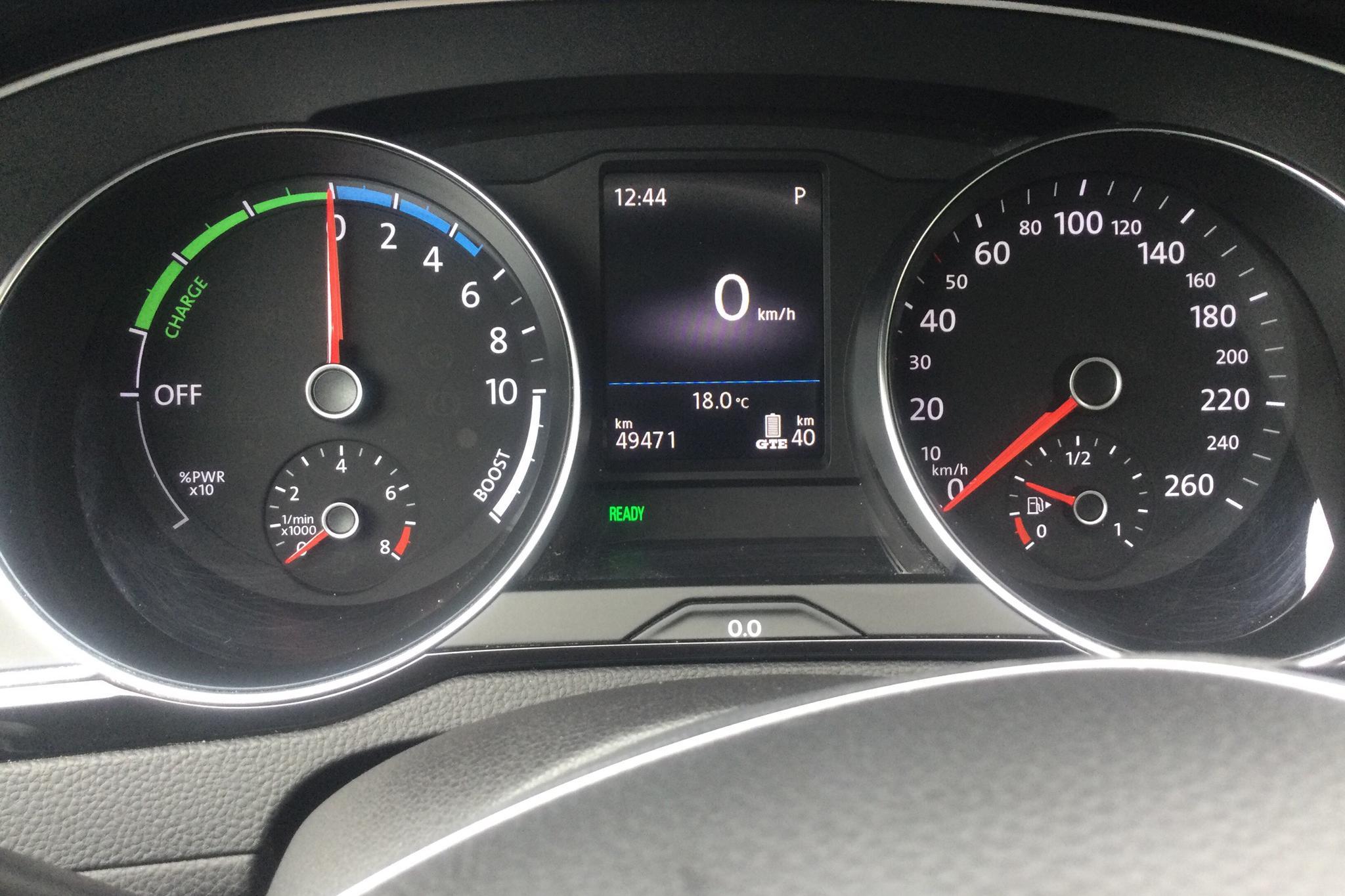 VW Passat 1.4 Plug-in-Hybrid Sportscombi (218hk) - 4 947 mil - Automat - vit - 2018