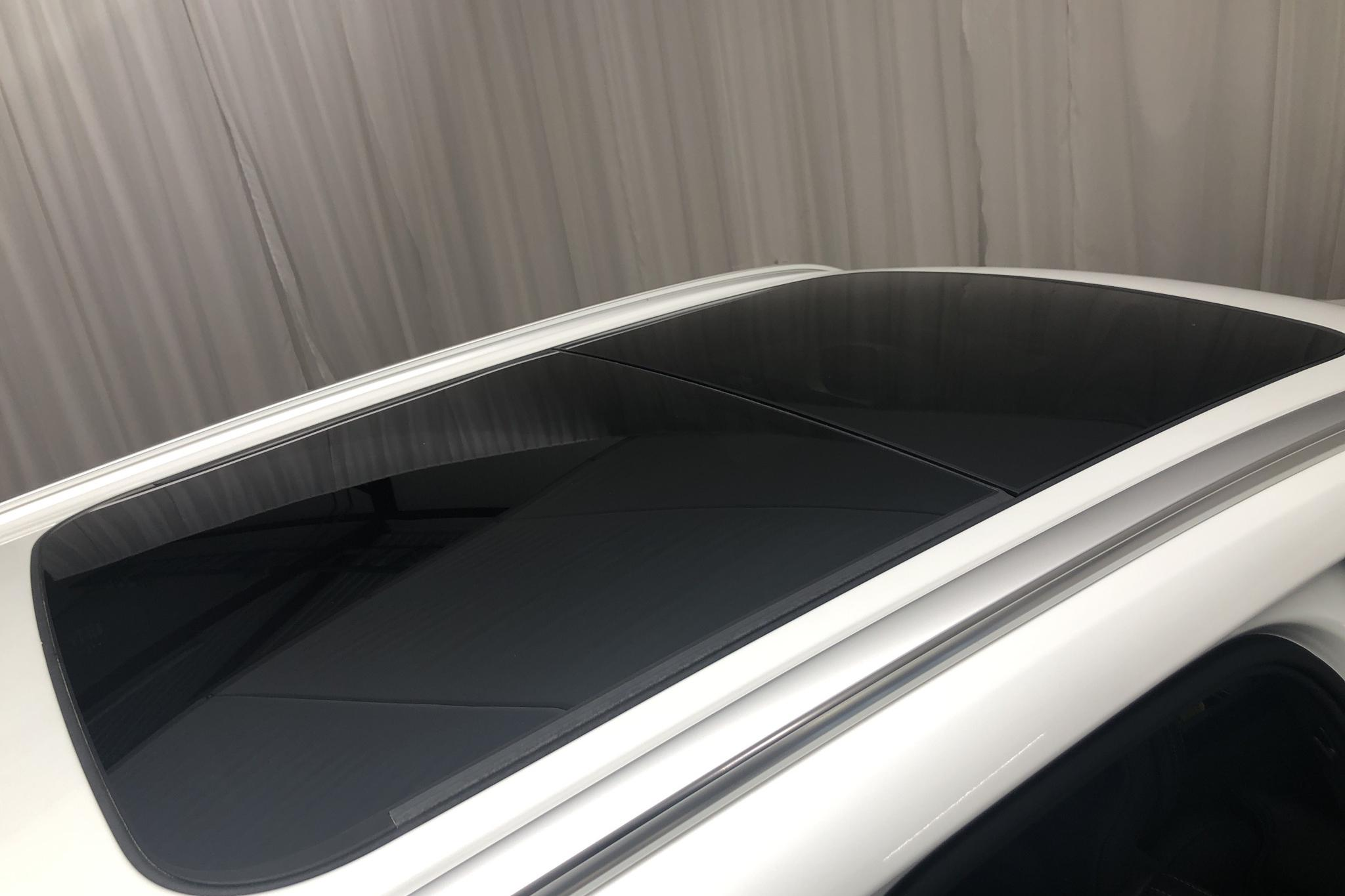 Volvo XC60 T8 AWD Twin Engine (390hk) - 39 050 km - Automatic - white - 2019