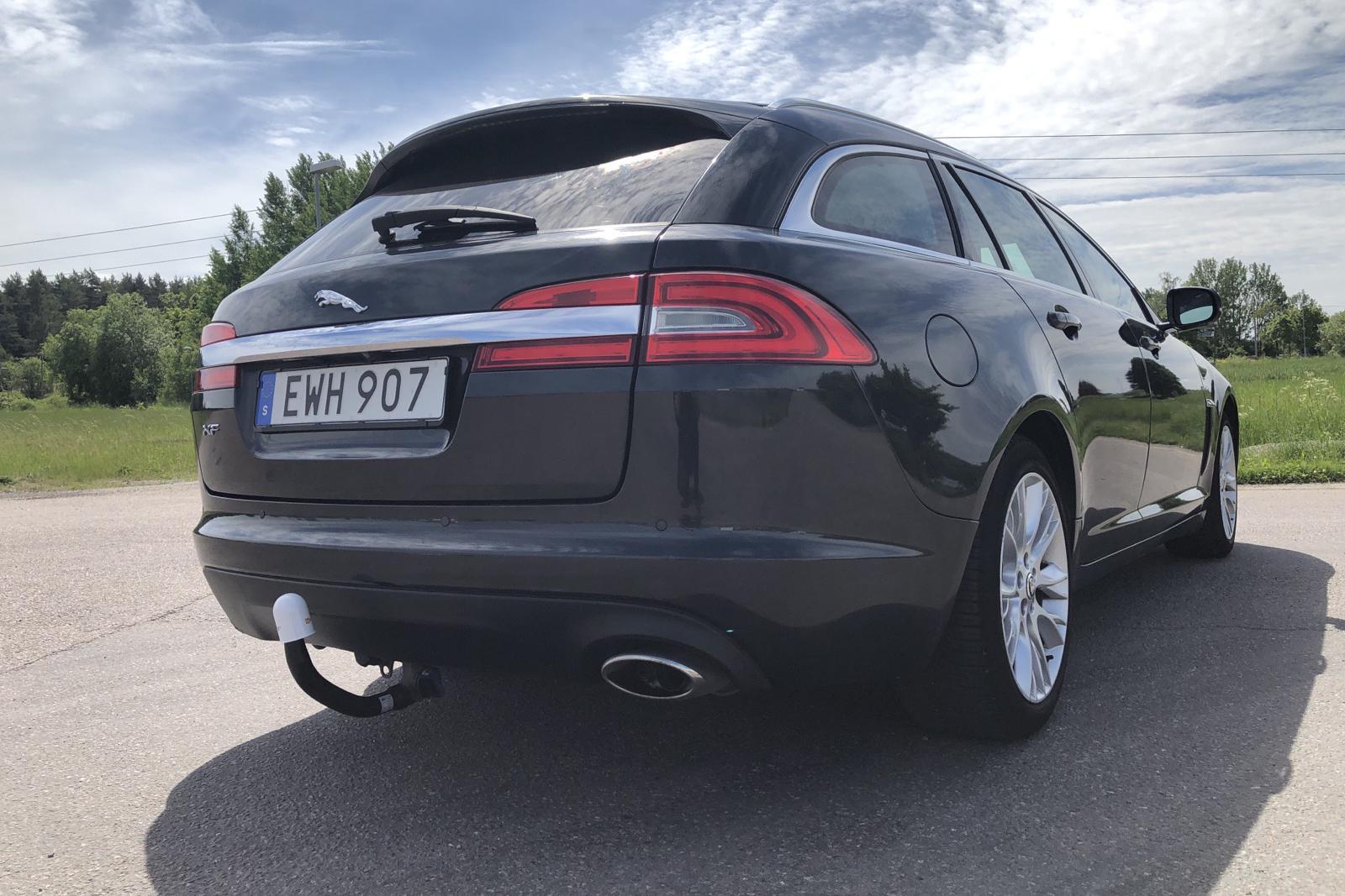 Jaguar XF Sportbrake 2.2 TDi4 (200hk) - 24 725 mil - Automat - Dark Grey - 2013