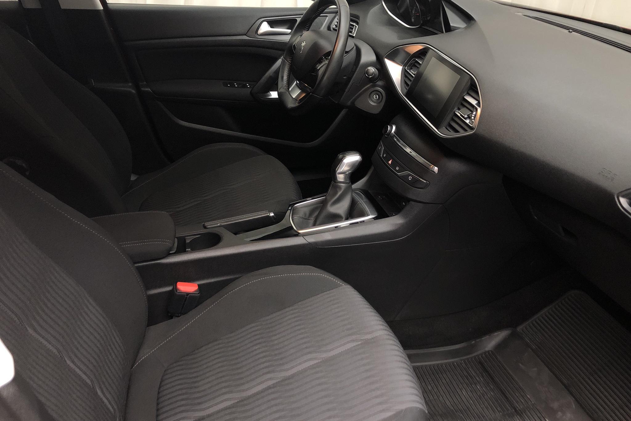 Peugeot 308 SW PureTech (110hk) - 70 110 km - Manual - Dark Red - 2016