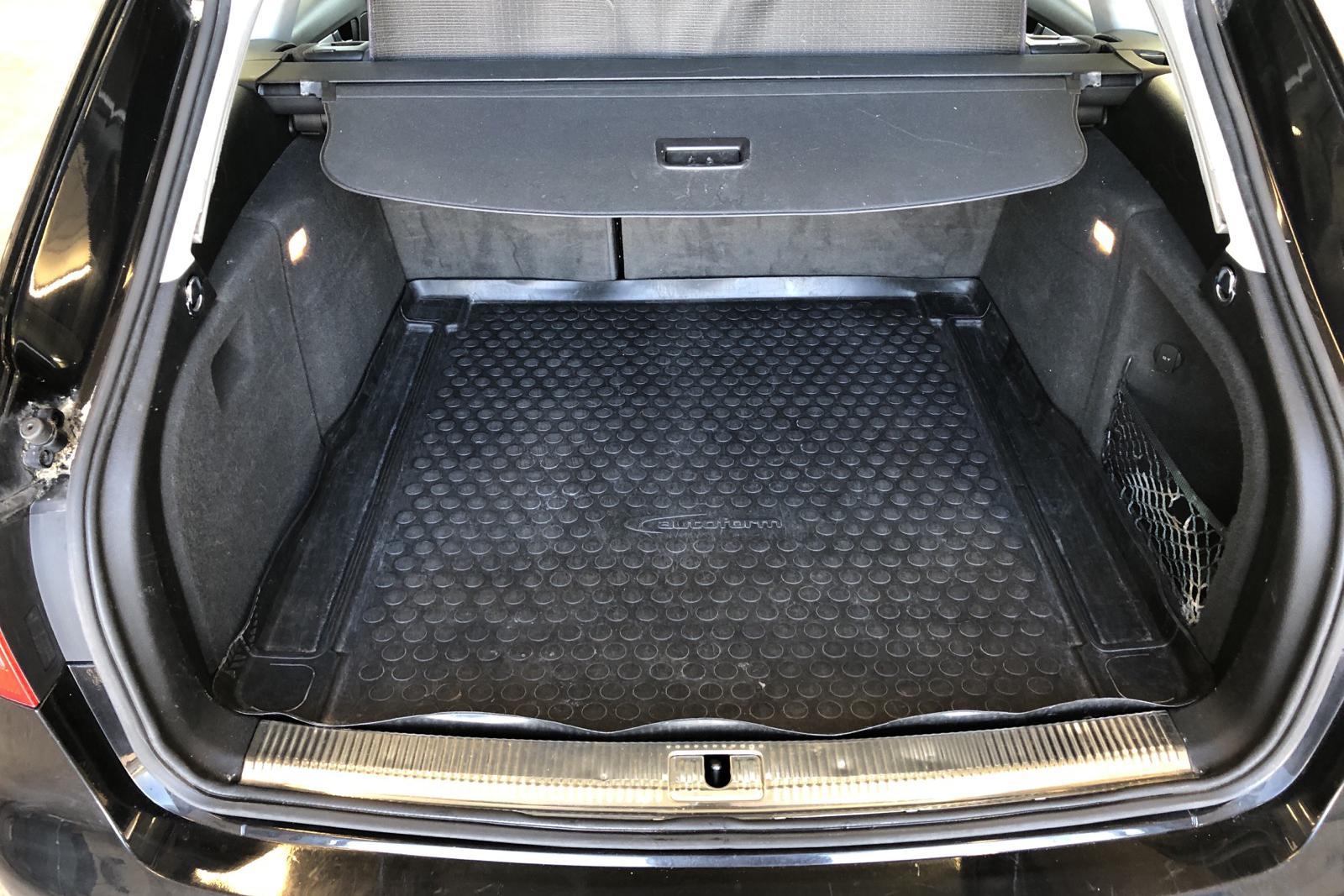 Audi A4 2.0 TDI Avant (143hk) - 19 045 mil - Manuell - svart - 2010
