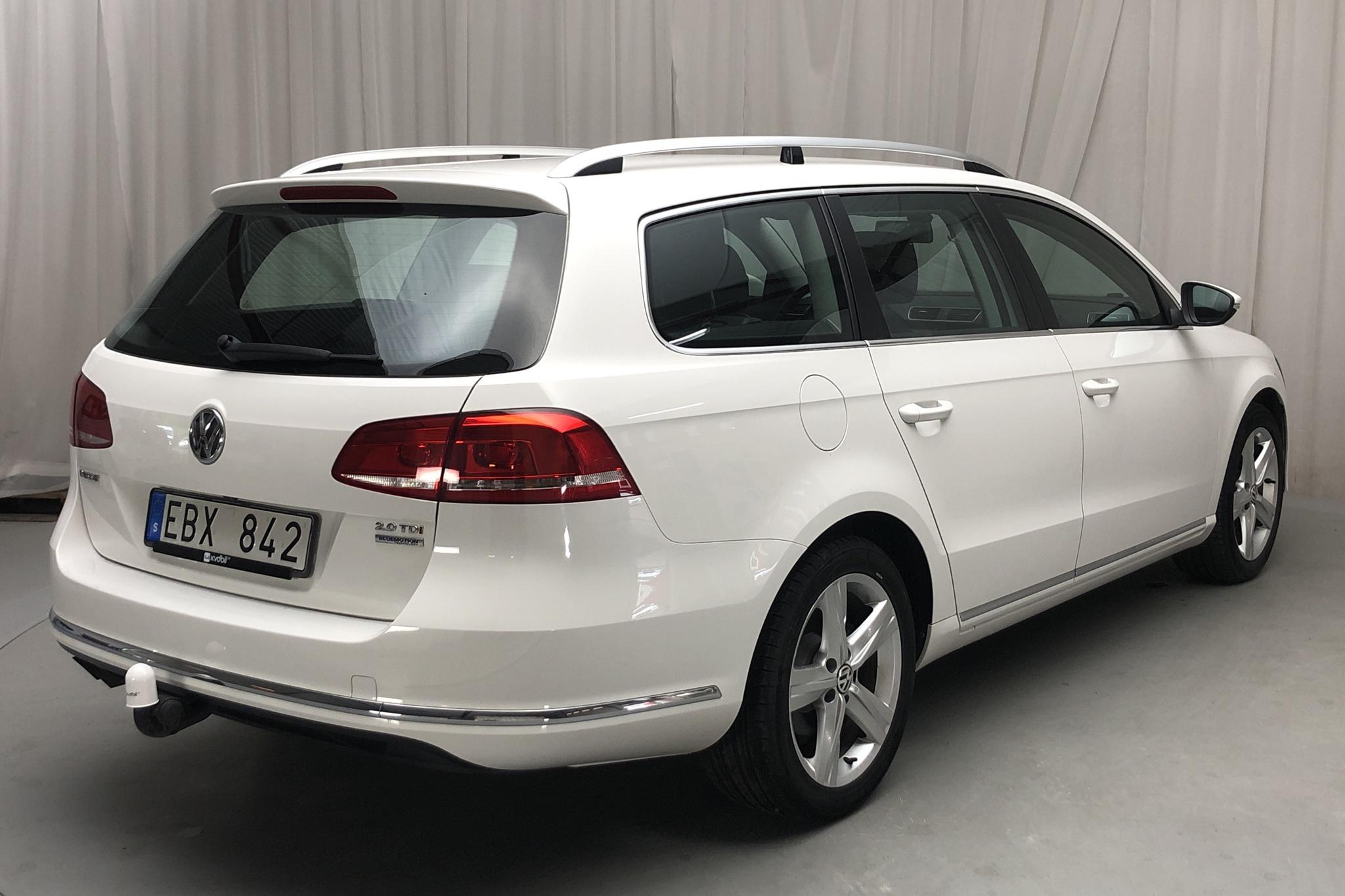 VW Passat 2.0 TDI BlueMotion Technology Variant (177hk) - 84 410 km - Automatic - white - 2014