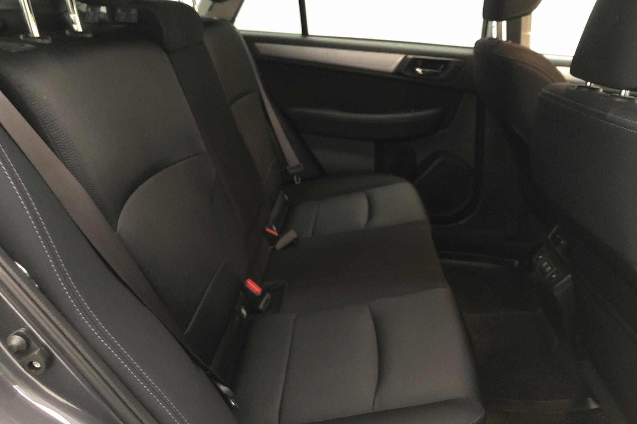 Subaru Outback 2.5i 4WD (173hk) - 23 640 km - Automatic - gray - 2019
