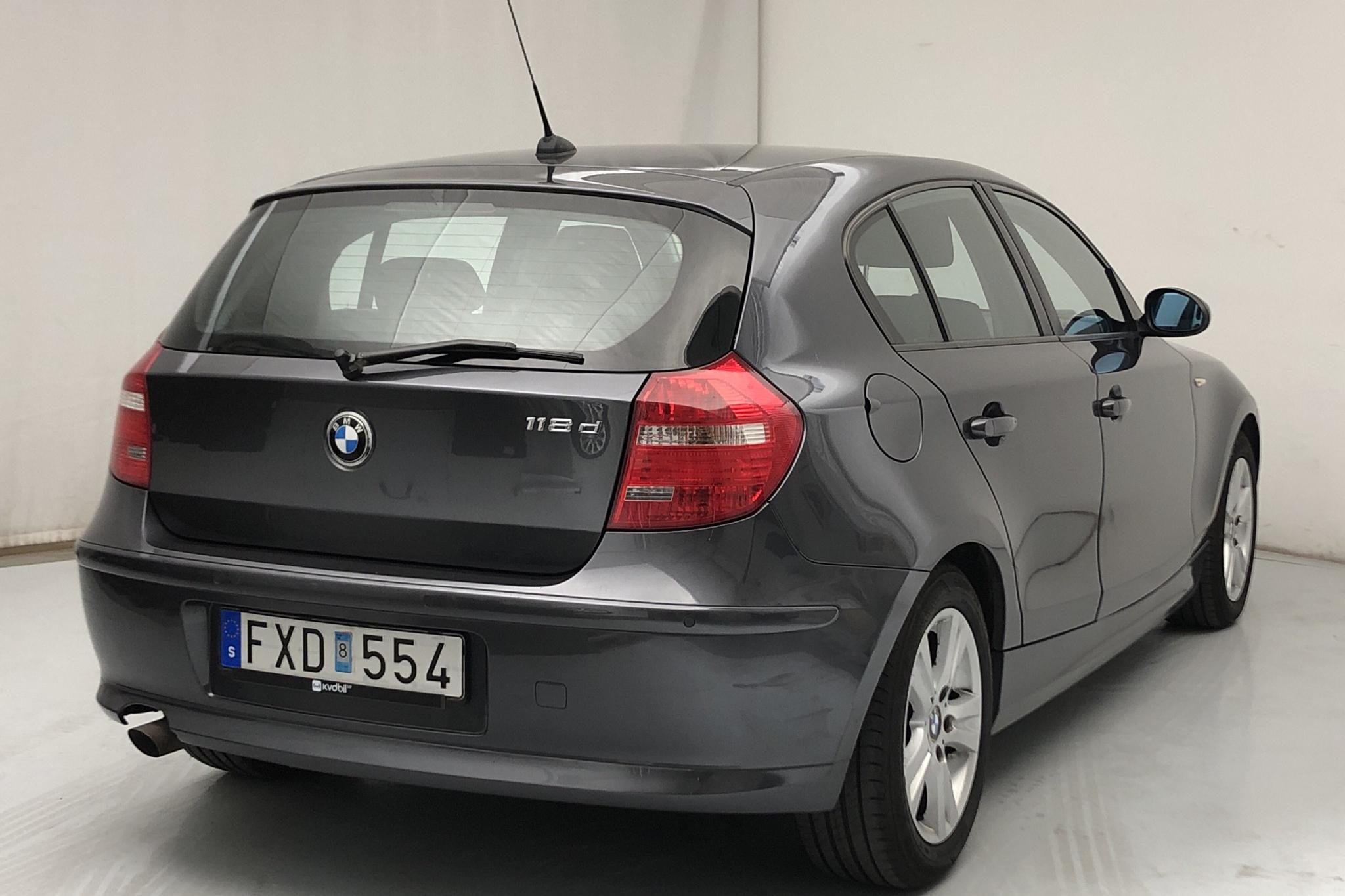 BMW 118d 5dr, E87 (143hk) - 16 166 mil - Manuell - grå - 2008