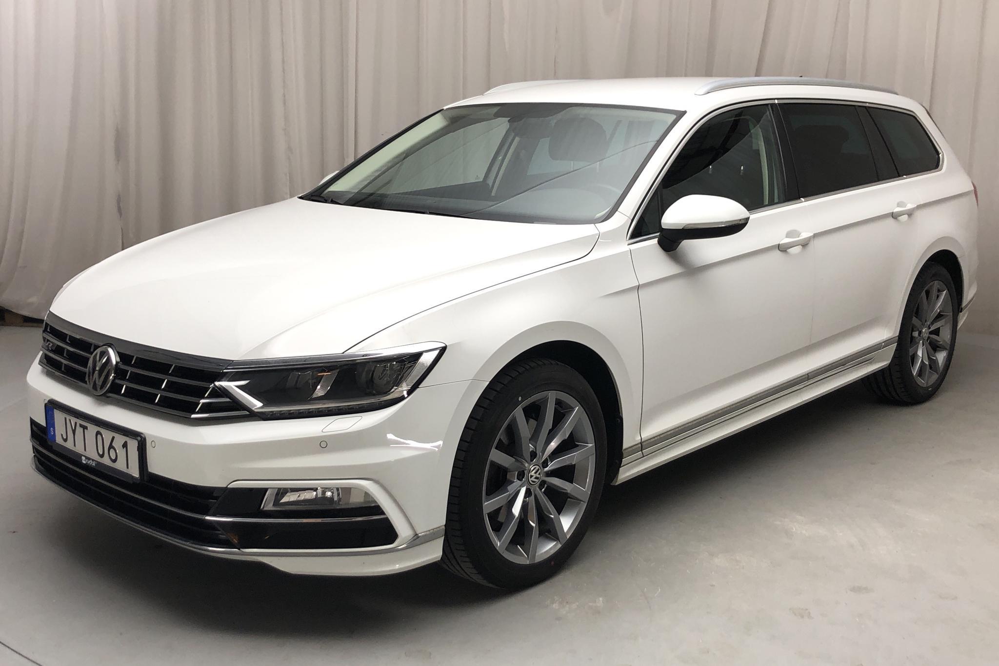 VW Passat 2.0 TDI Sportscombi (190hk) - 12 179 mil - Automat - vit - 2017