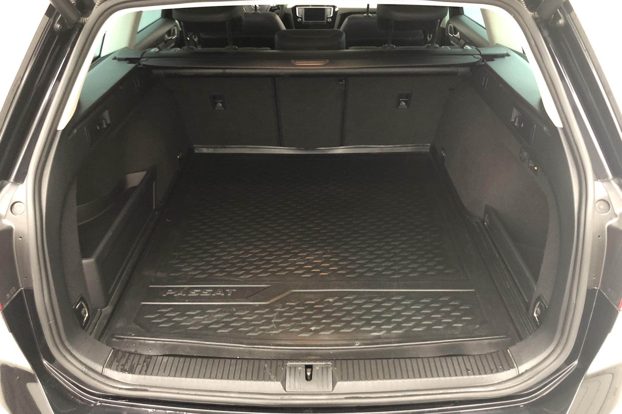VW Passat Alltrack 2.0 TDI Sportscombi 4MOTION (190hk) - 67 080 km - Automatic - black - 2017