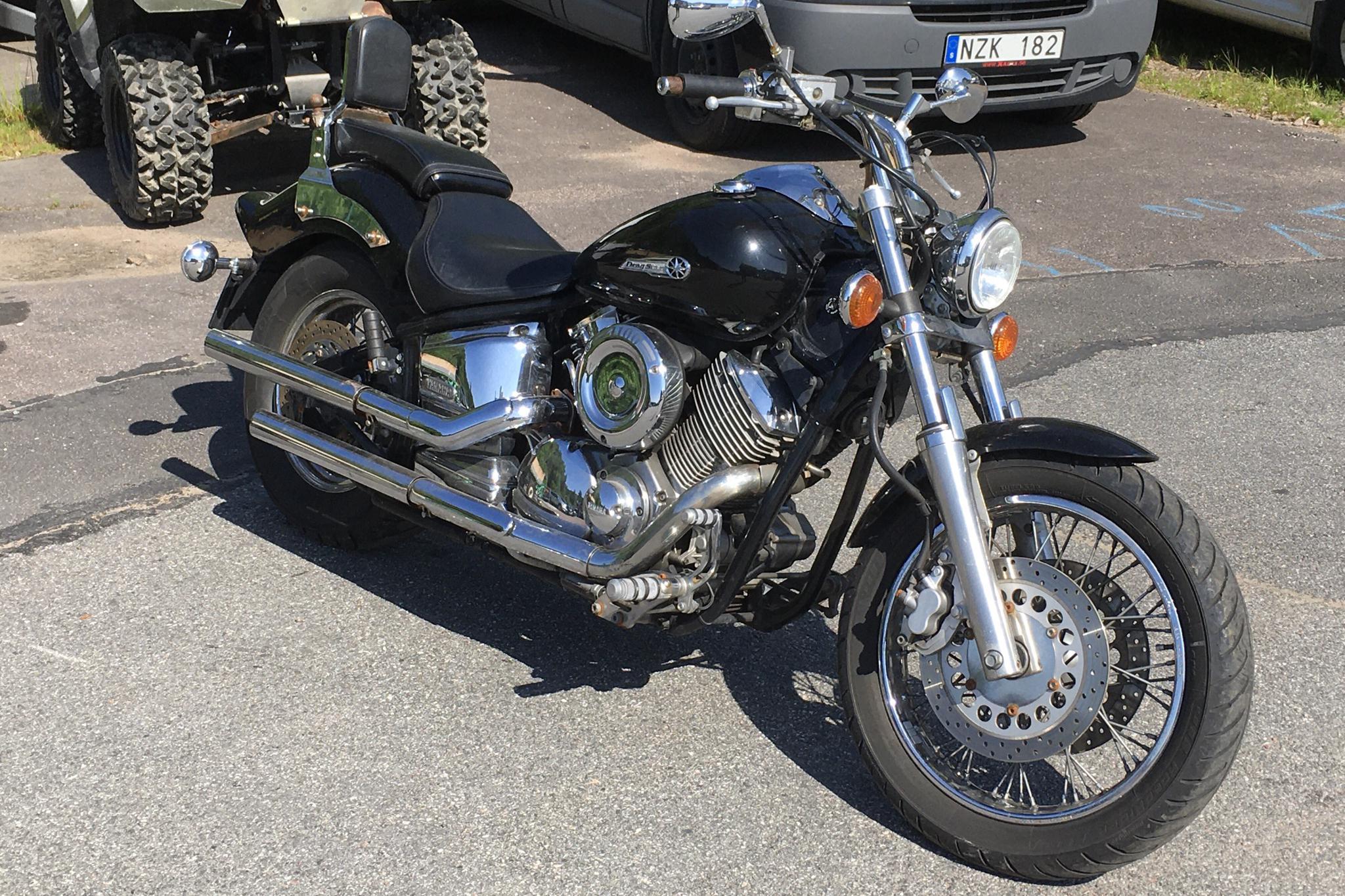 YAMAHA XVS 1100 DRAGSTAR Motorcykel (Rep.objekt)