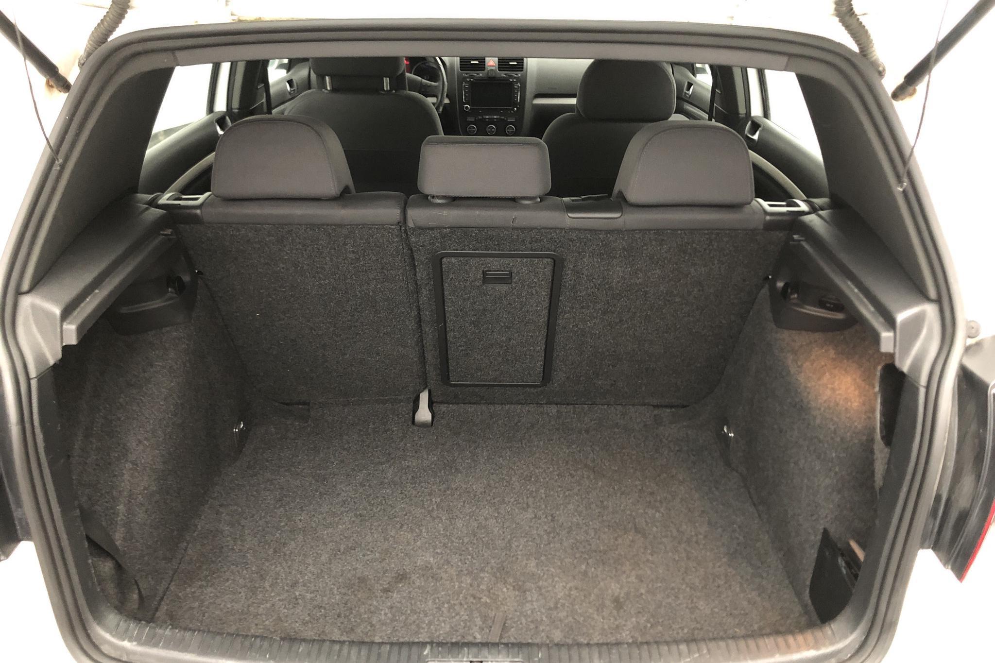VW Golf A5 2.0 GTI 5dr (200hk) - 22 204 mil - Automat - vit - 2009